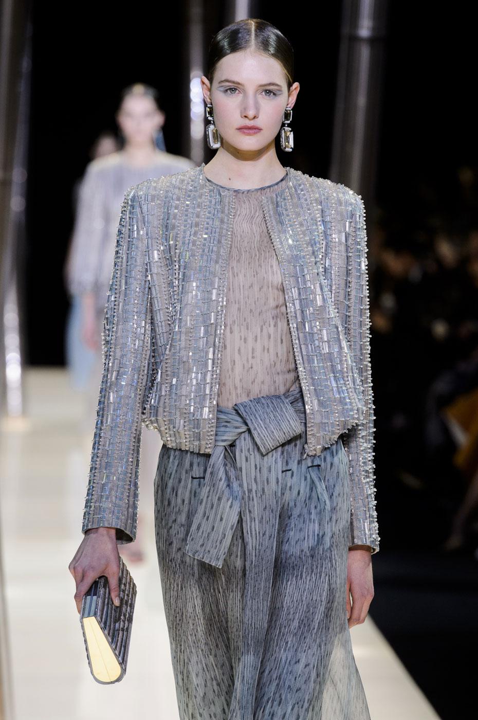 Giorgio-armani-Prive-fashion-runway-show-haute-couture-paris-spring-2015-the-impression-066