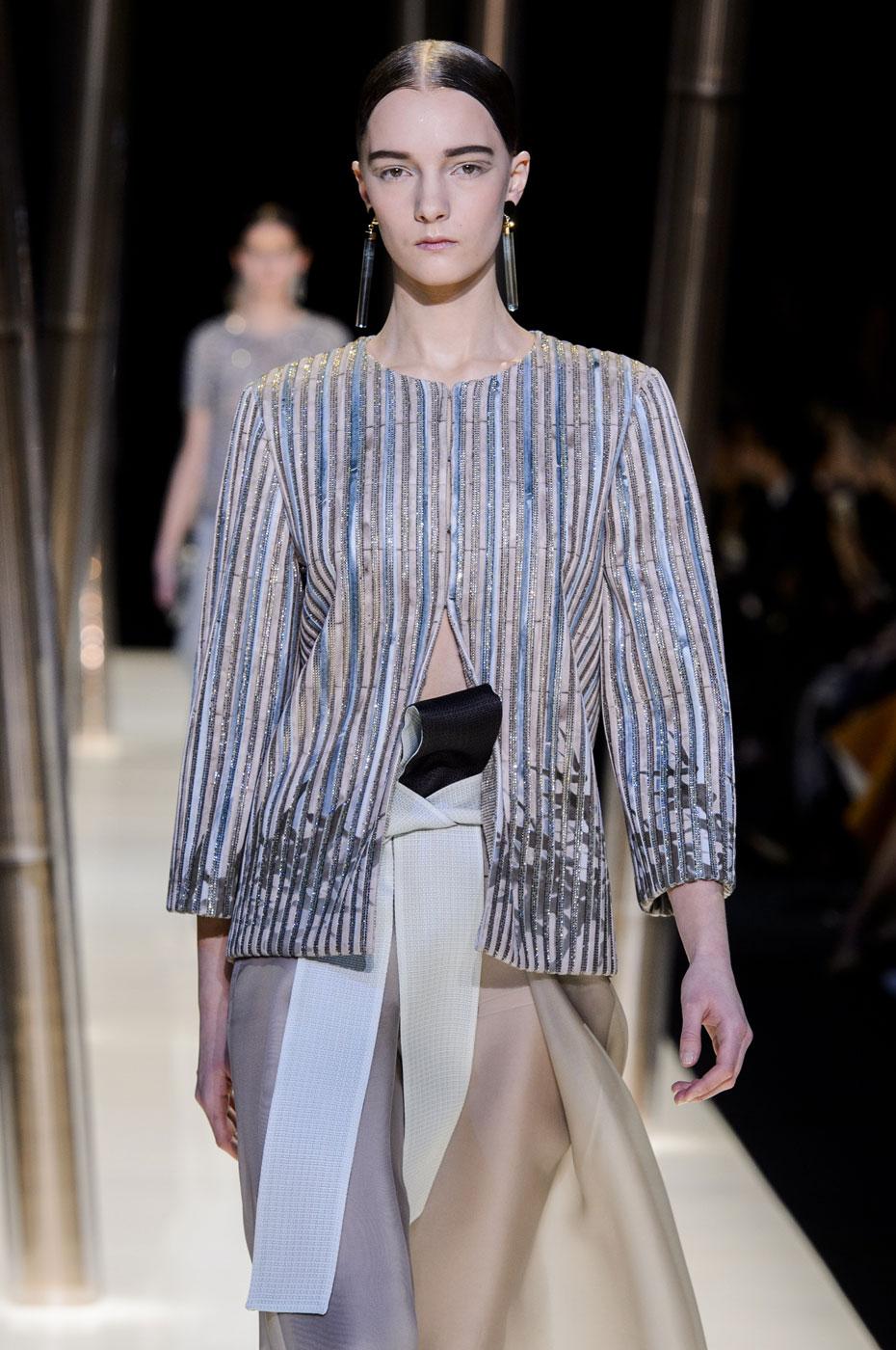 Giorgio-armani-Prive-fashion-runway-show-haute-couture-paris-spring-2015-the-impression-068