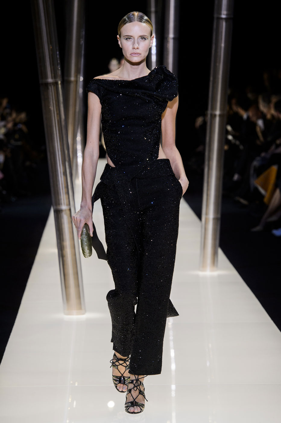 Giorgio-armani-Prive-fashion-runway-show-haute-couture-paris-spring-2015-the-impression-079