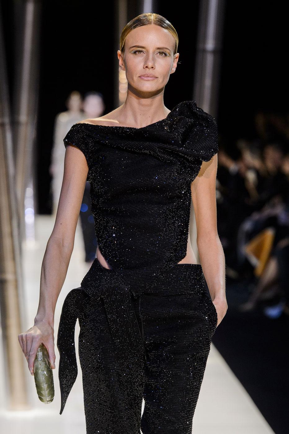 Giorgio-armani-Prive-fashion-runway-show-haute-couture-paris-spring-2015-the-impression-080