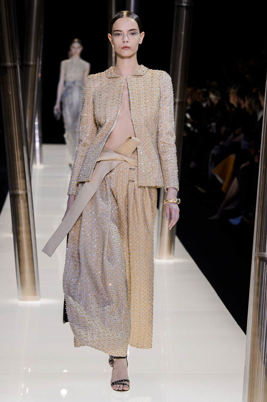 Giorgio-armani-Prive-fashion-runway-show-haute-couture-paris-spring-2015-the-impression-083