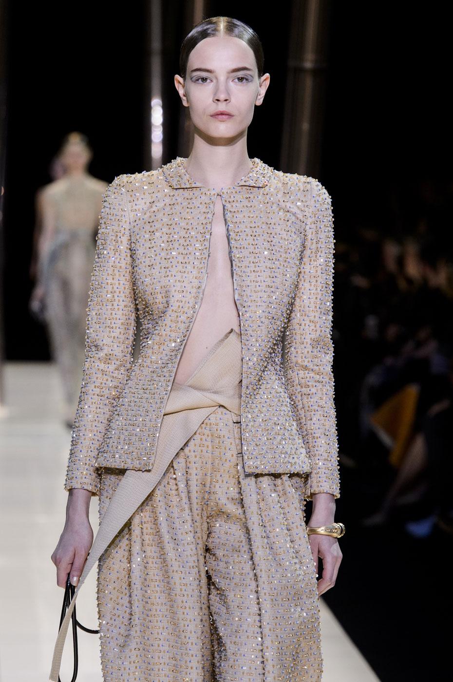 Giorgio-armani-Prive-fashion-runway-show-haute-couture-paris-spring-2015-the-impression-084
