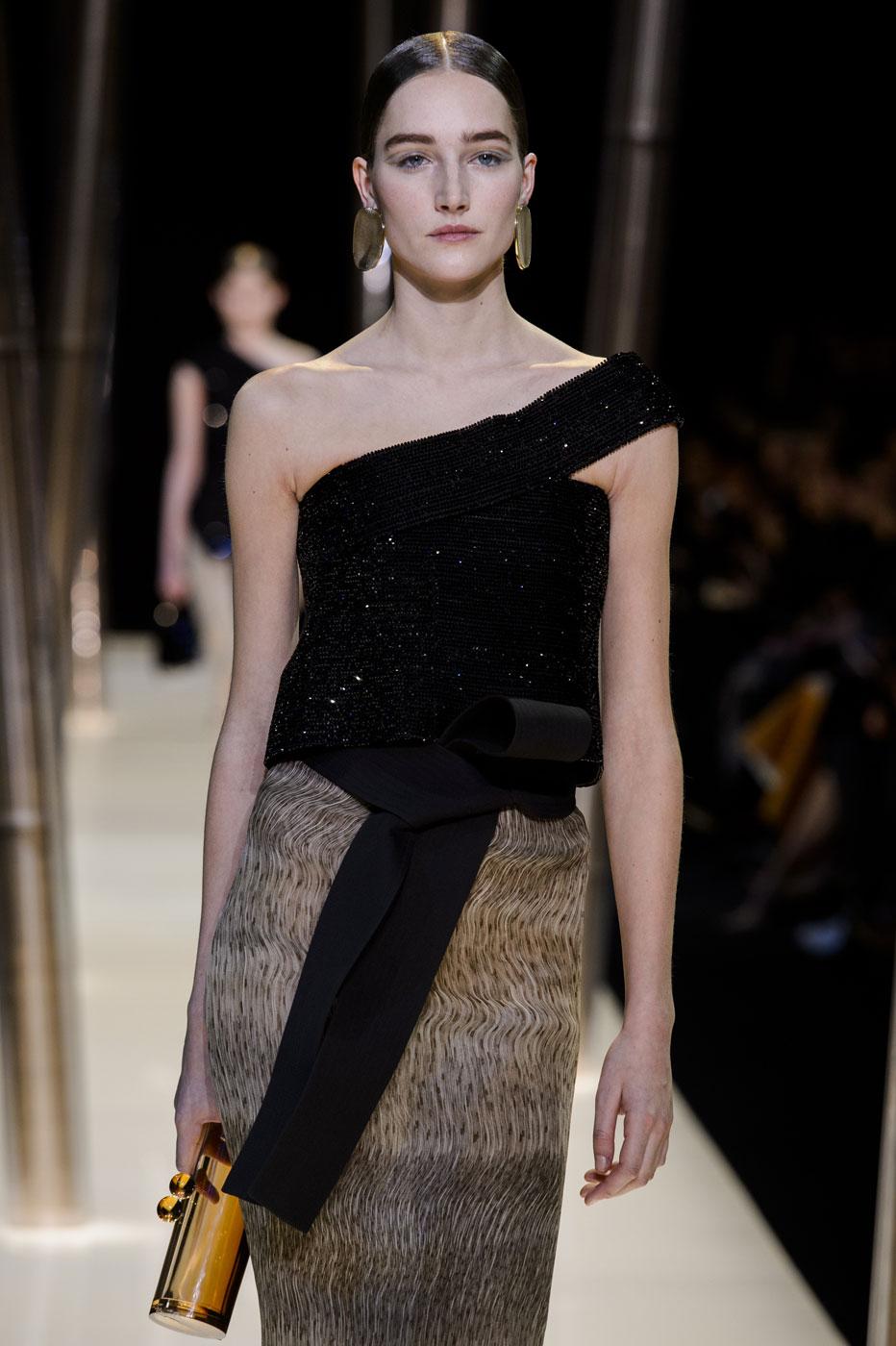 Giorgio-armani-Prive-fashion-runway-show-haute-couture-paris-spring-2015-the-impression-088