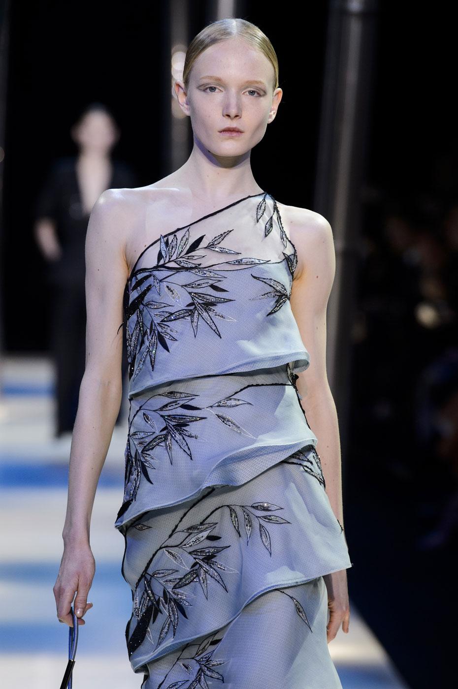 Giorgio-armani-Prive-fashion-runway-show-haute-couture-paris-spring-2015-the-impression-096