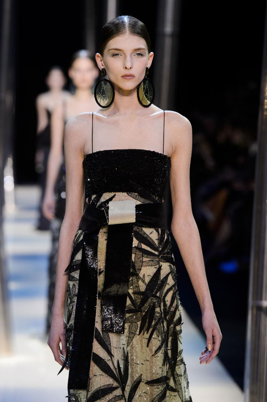 Giorgio-armani-Prive-fashion-runway-show-haute-couture-paris-spring-2015-the-impression-104
