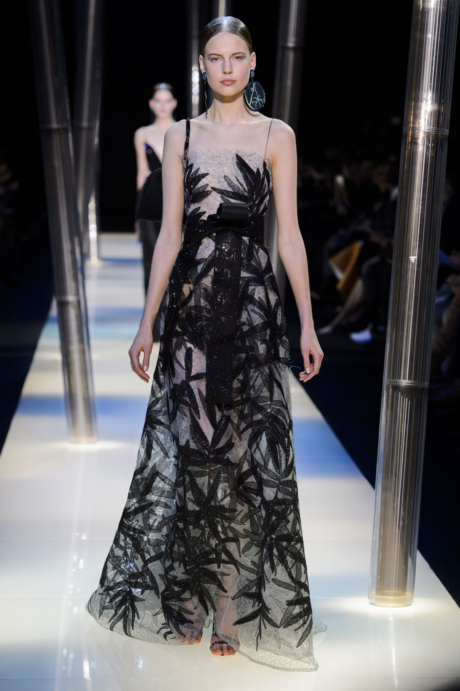 Giorgio-armani-Prive-fashion-runway-show-haute-couture-paris-spring-2015-the-impression-105