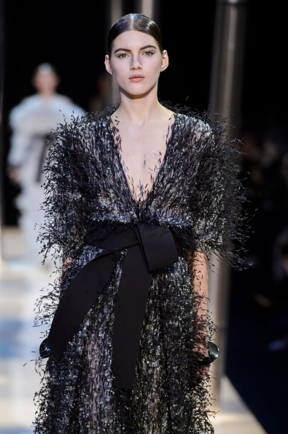 Giorgio-armani-Prive-fashion-runway-show-haute-couture-paris-spring-2015-the-impression-110