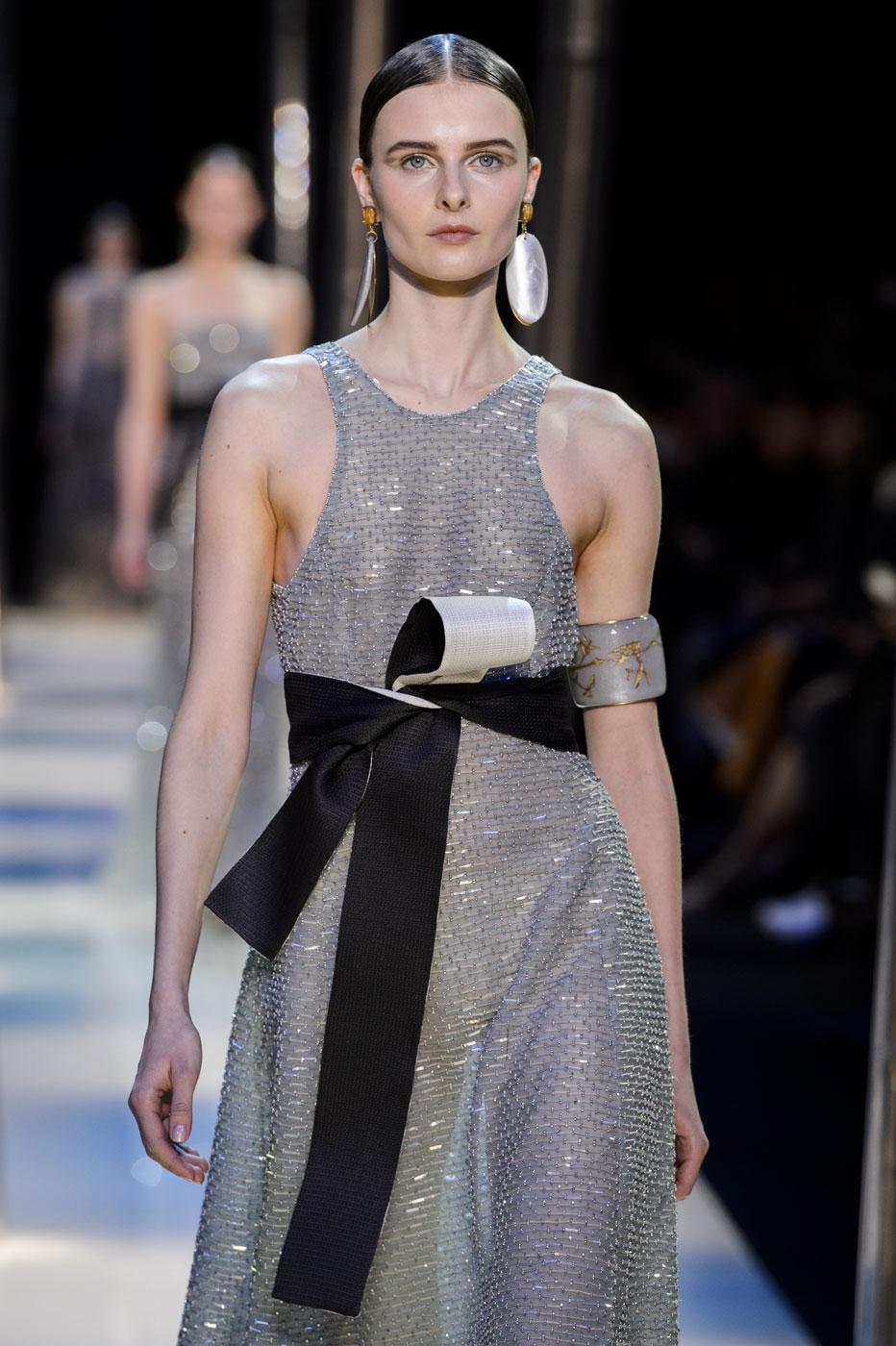 Giorgio-armani-Prive-fashion-runway-show-haute-couture-paris-spring-2015-the-impression-114