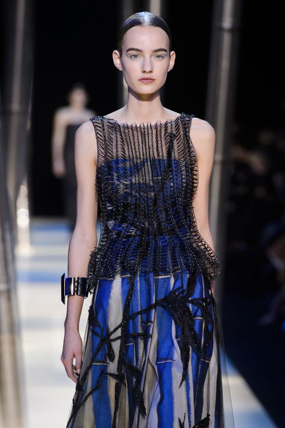 Giorgio-armani-Prive-fashion-runway-show-haute-couture-paris-spring-2015-the-impression-122