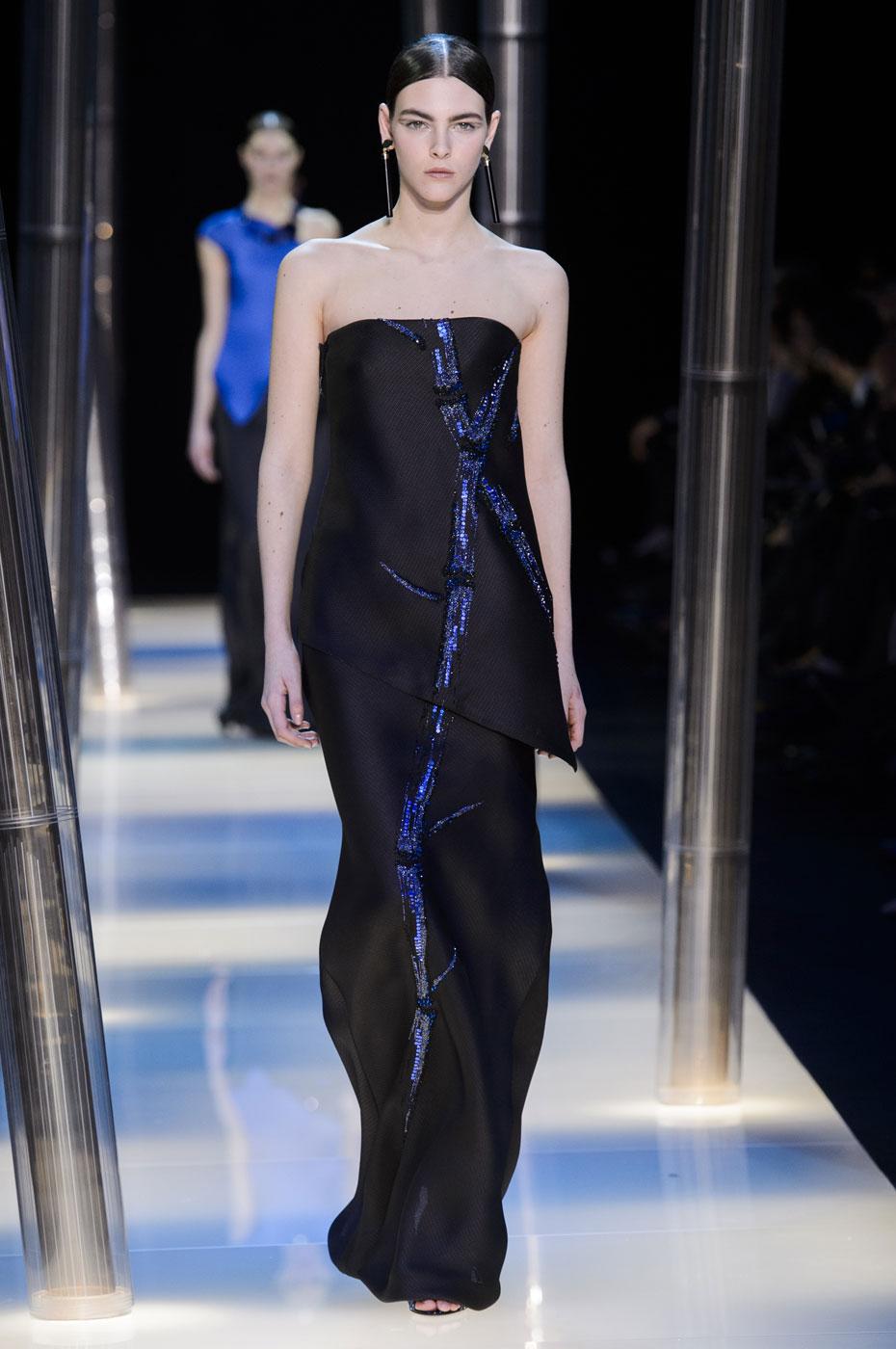 Giorgio-armani-Prive-fashion-runway-show-haute-couture-paris-spring-2015-the-impression-123