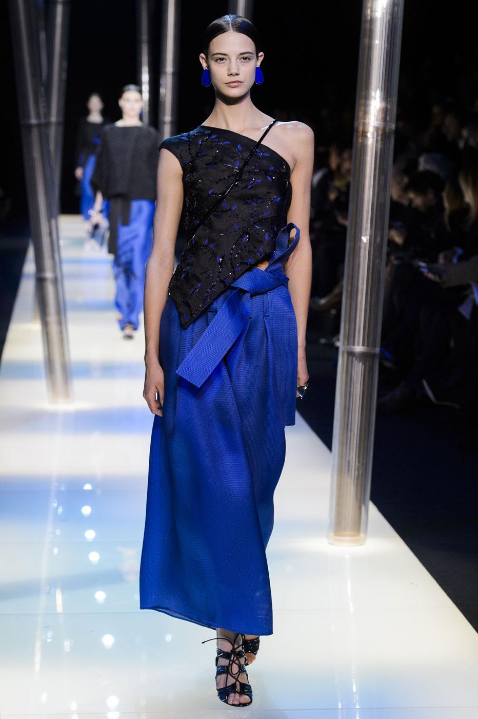 Giorgio-armani-Prive-fashion-runway-show-haute-couture-paris-spring-2015-the-impression-127