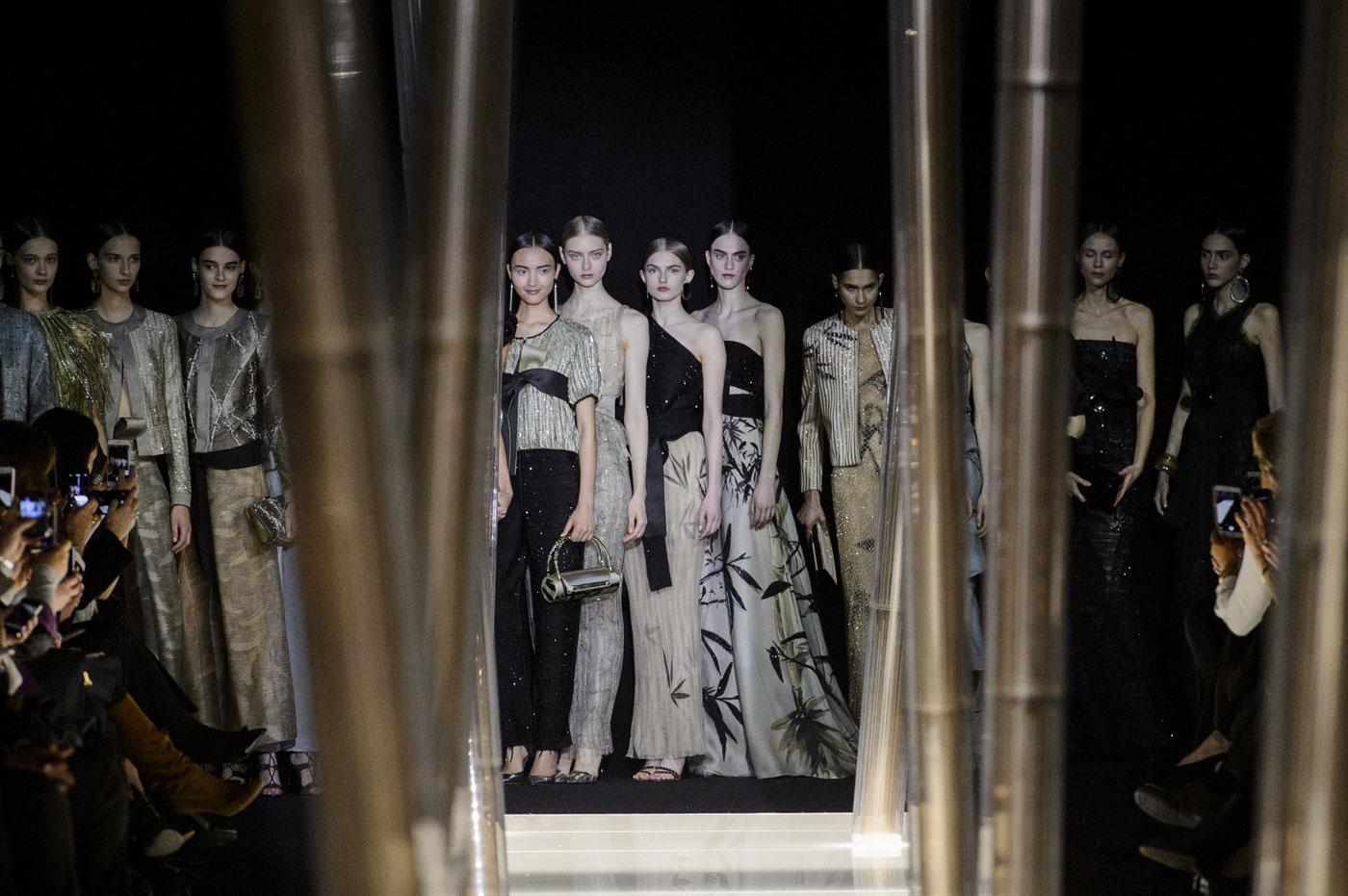 Giorgio-armani-Prive-fashion-runway-show-haute-couture-paris-spring-2015-the-impression-142