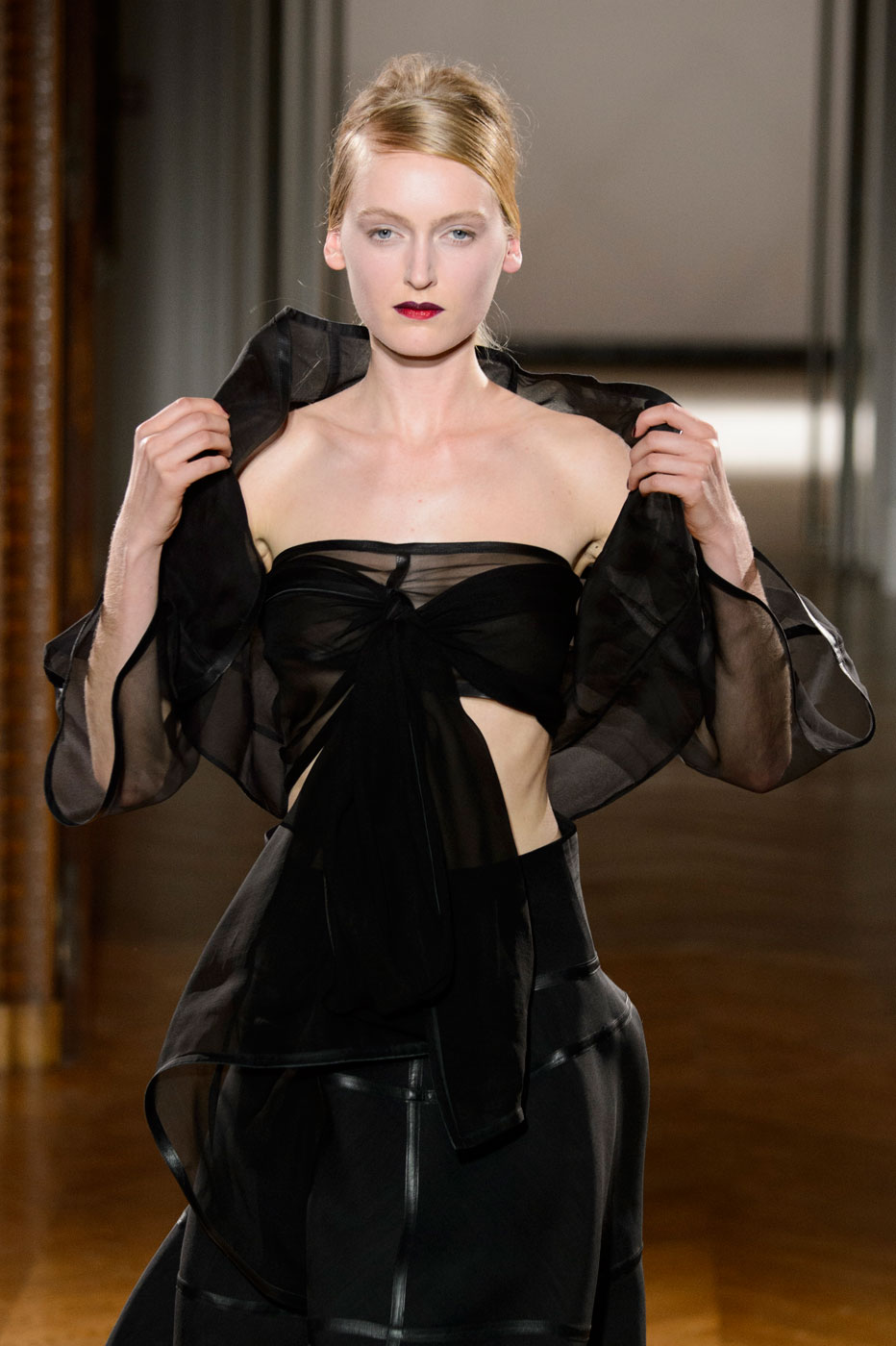 Gustavolins-Prive-fashion-runway-show-haute-couture-paris-spring-2015-the-impression-42