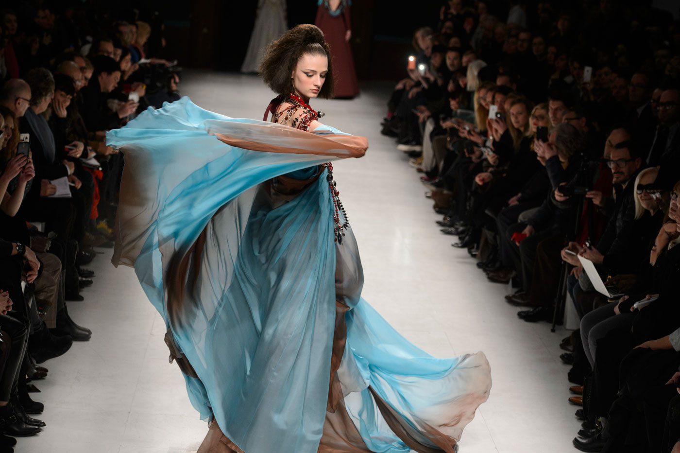 Julien-Fournie-Prive-fashion-runway-show-haute-couture-paris-spring-2015-the-impression-54