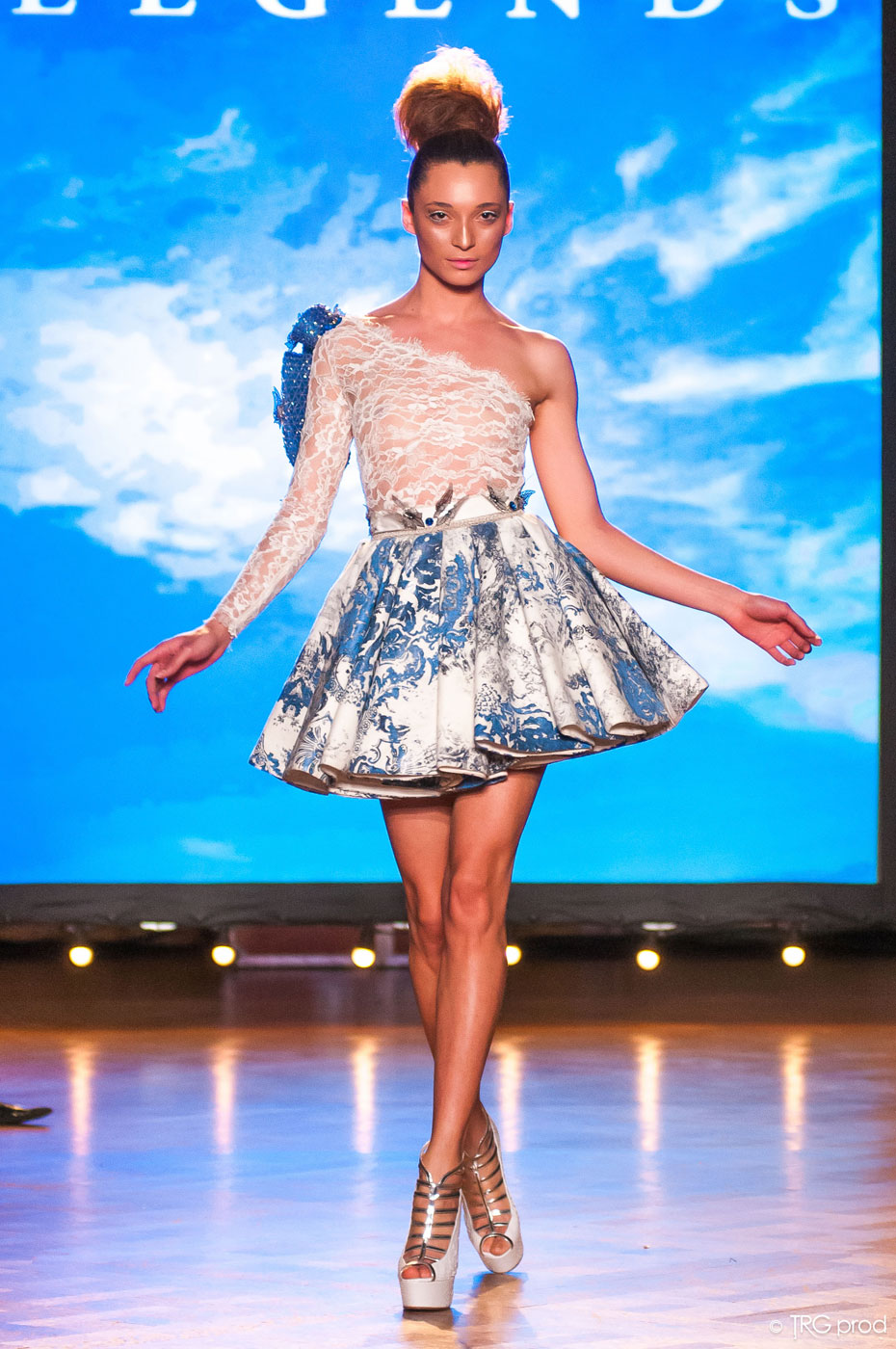 Legends-fashion-runway-show-haute-couture-paris-spring-2015-the-impression-01