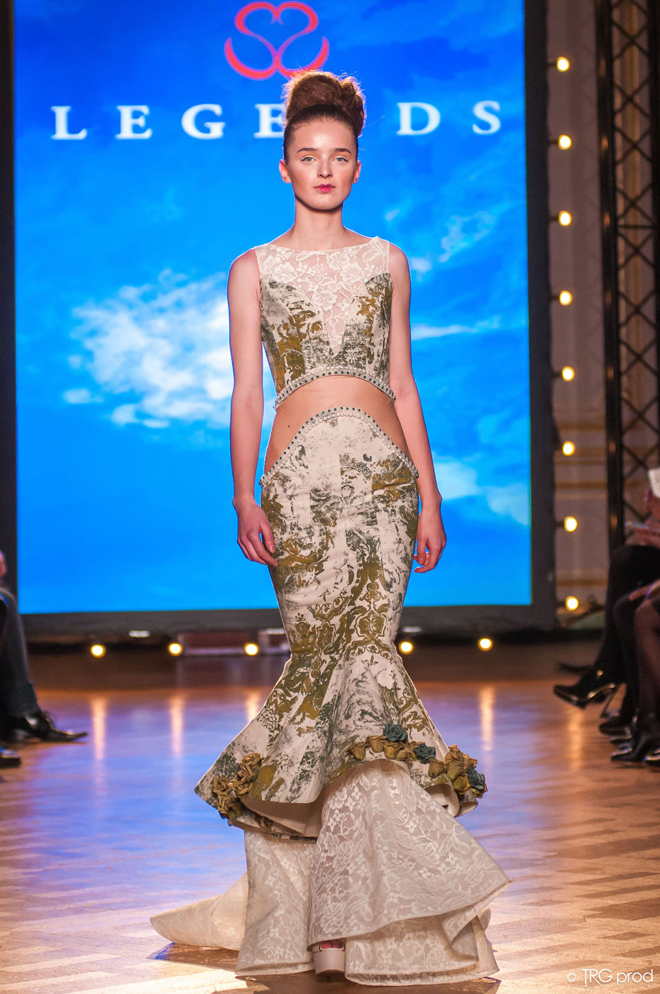 Legends-fashion-runway-show-haute-couture-paris-spring-2015-the-impression-09