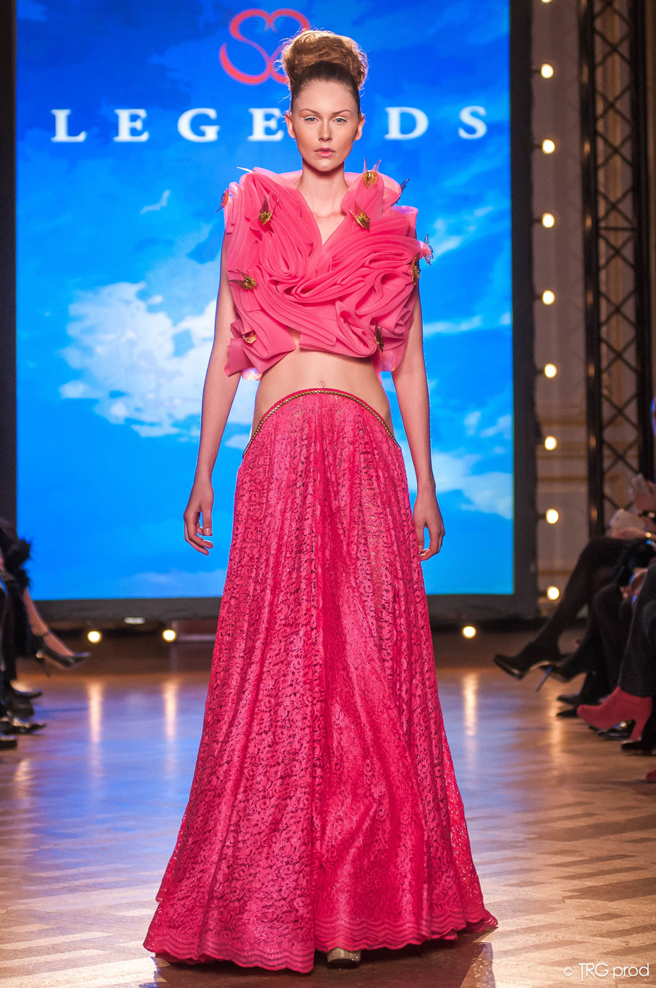 Legends-fashion-runway-show-haute-couture-paris-spring-2015-the-impression-19