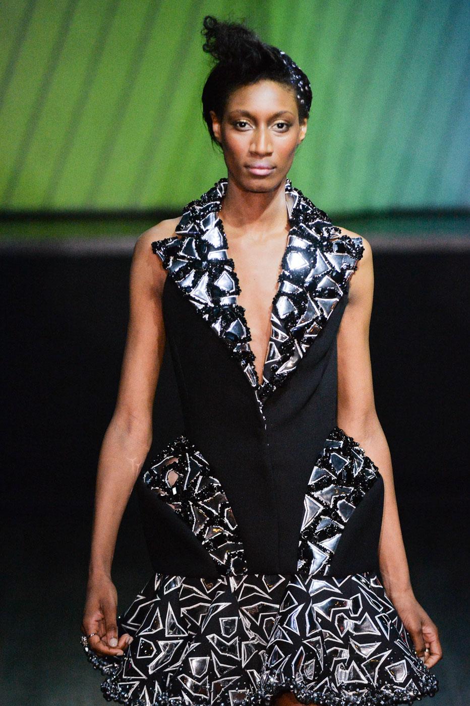 On-Aura-Tout-Vu-fashion-runway-show-haute-couture-paris-spring-summer-2015-the-impression-34