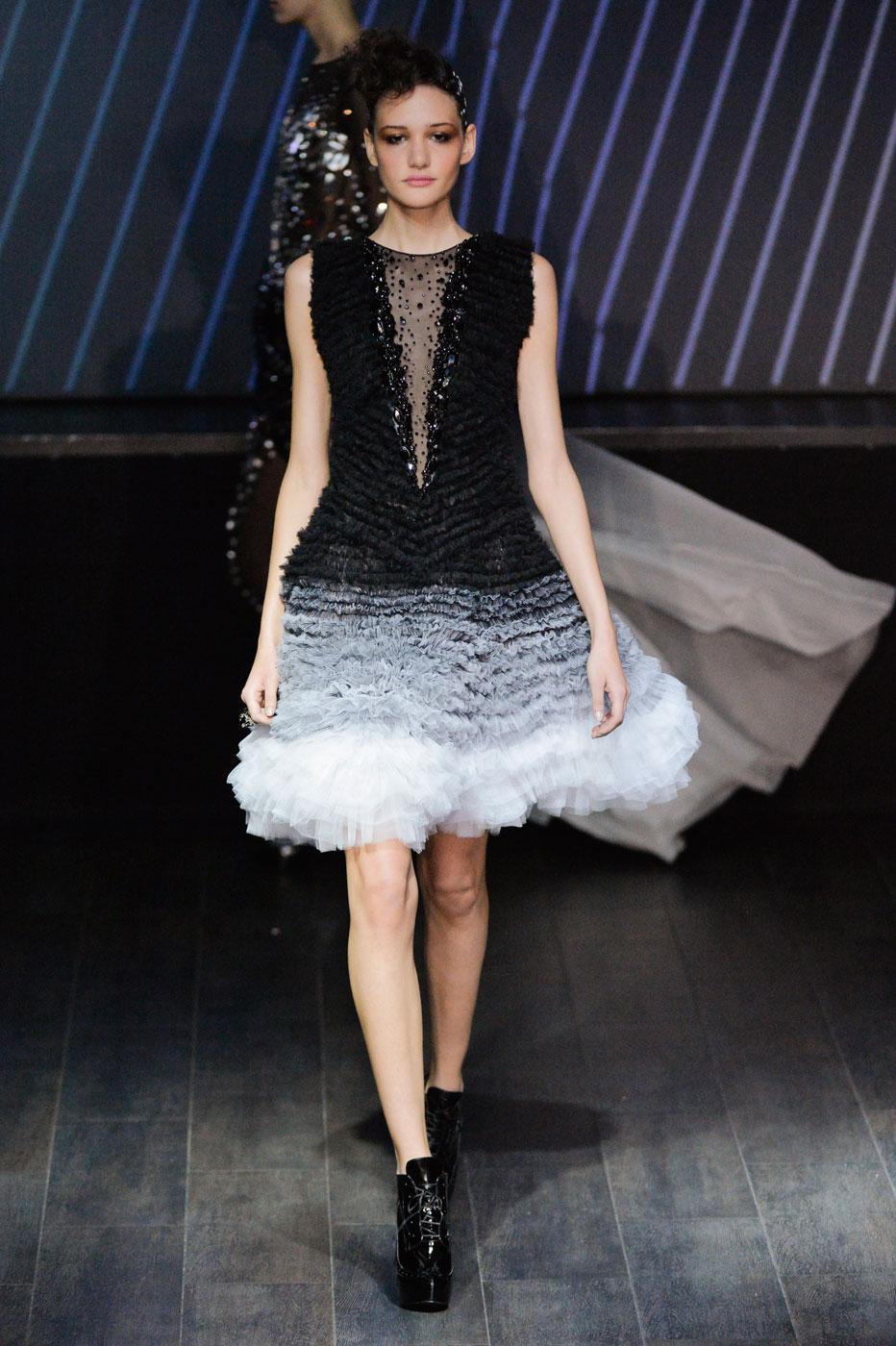 On-Aura-Tout-Vu-fashion-runway-show-haute-couture-paris-spring-summer-2015-the-impression-41