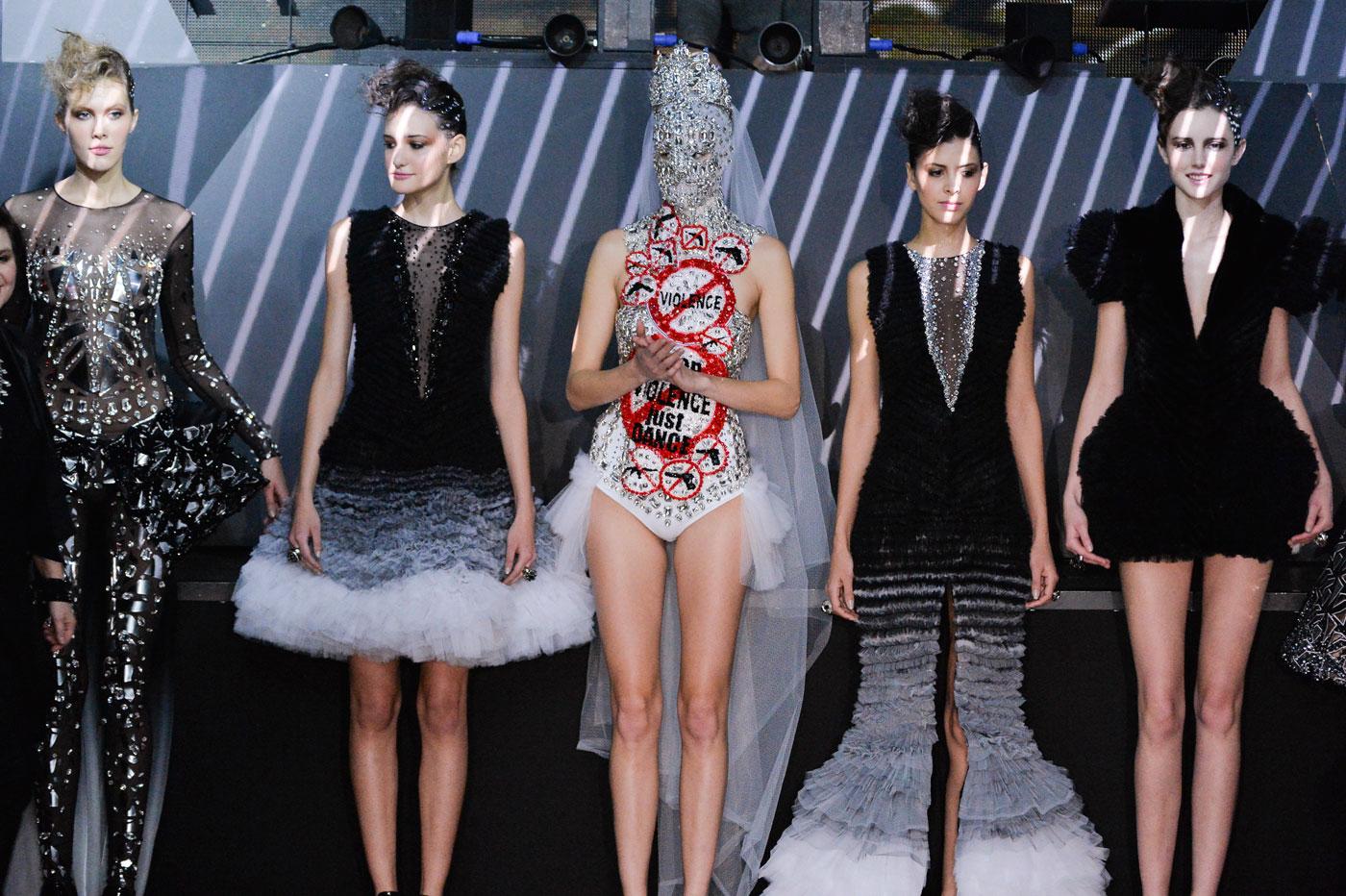 On-Aura-Tout-Vu-fashion-runway-show-haute-couture-paris-spring-summer-2015-the-impression-49