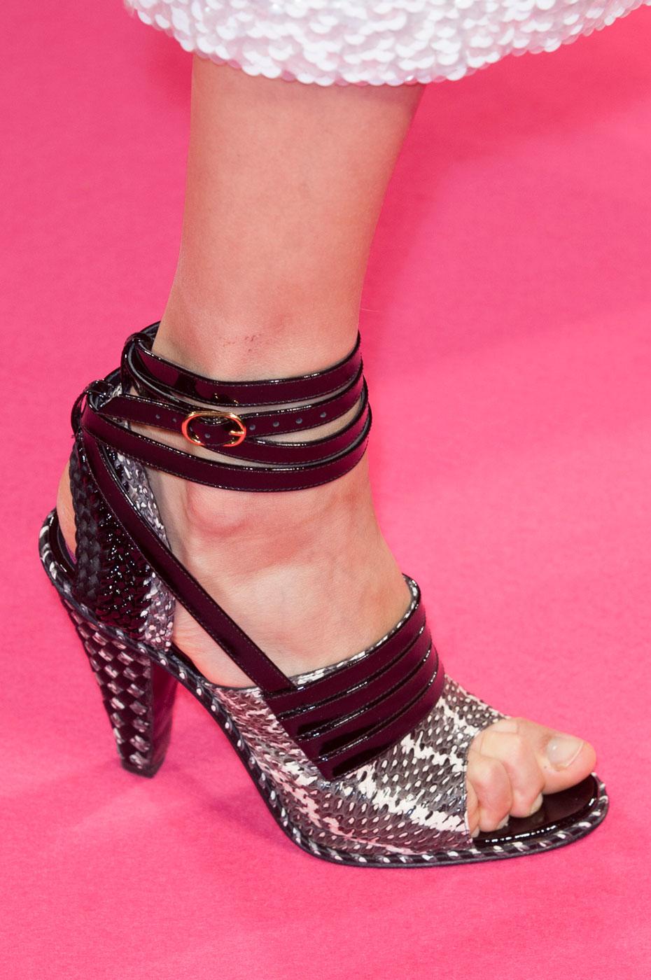 Schiaparelli-fashion-runway-show-close-ups-haute-couture-paris-spring-summer-2015-the-impression-06
