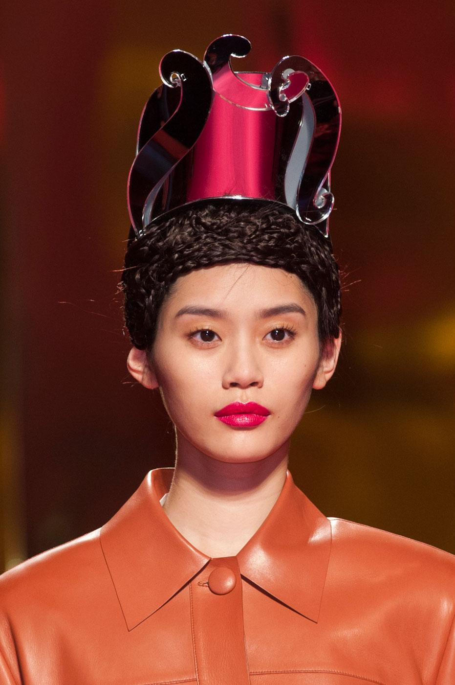 Schiaparelli-fashion-runway-show-close-ups-haute-couture-paris-spring-summer-2015-the-impression-07