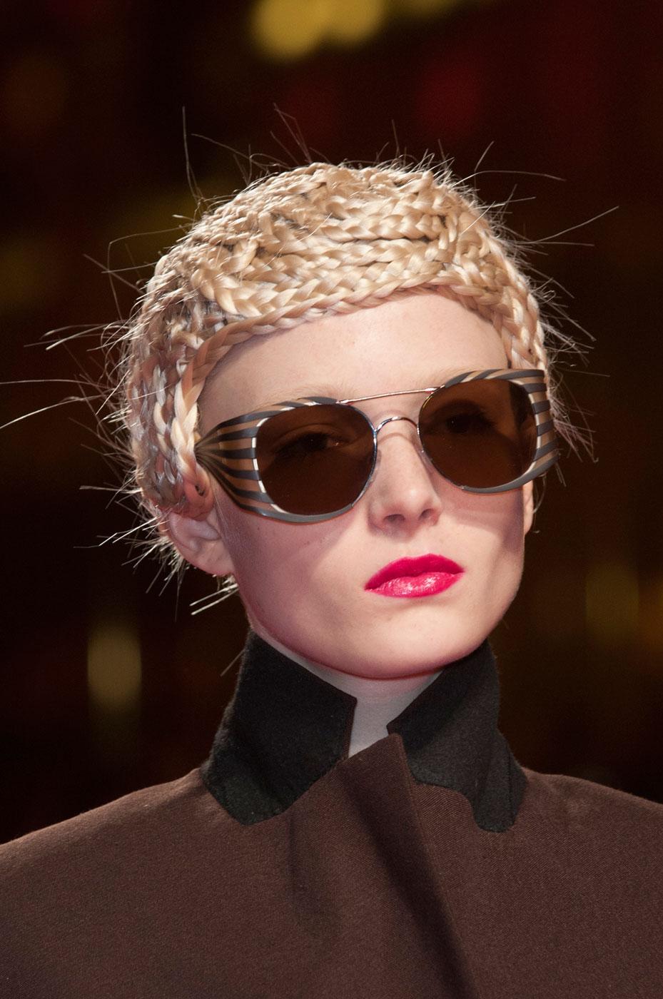 Schiaparelli-fashion-runway-show-close-ups-haute-couture-paris-spring-summer-2015-the-impression-23