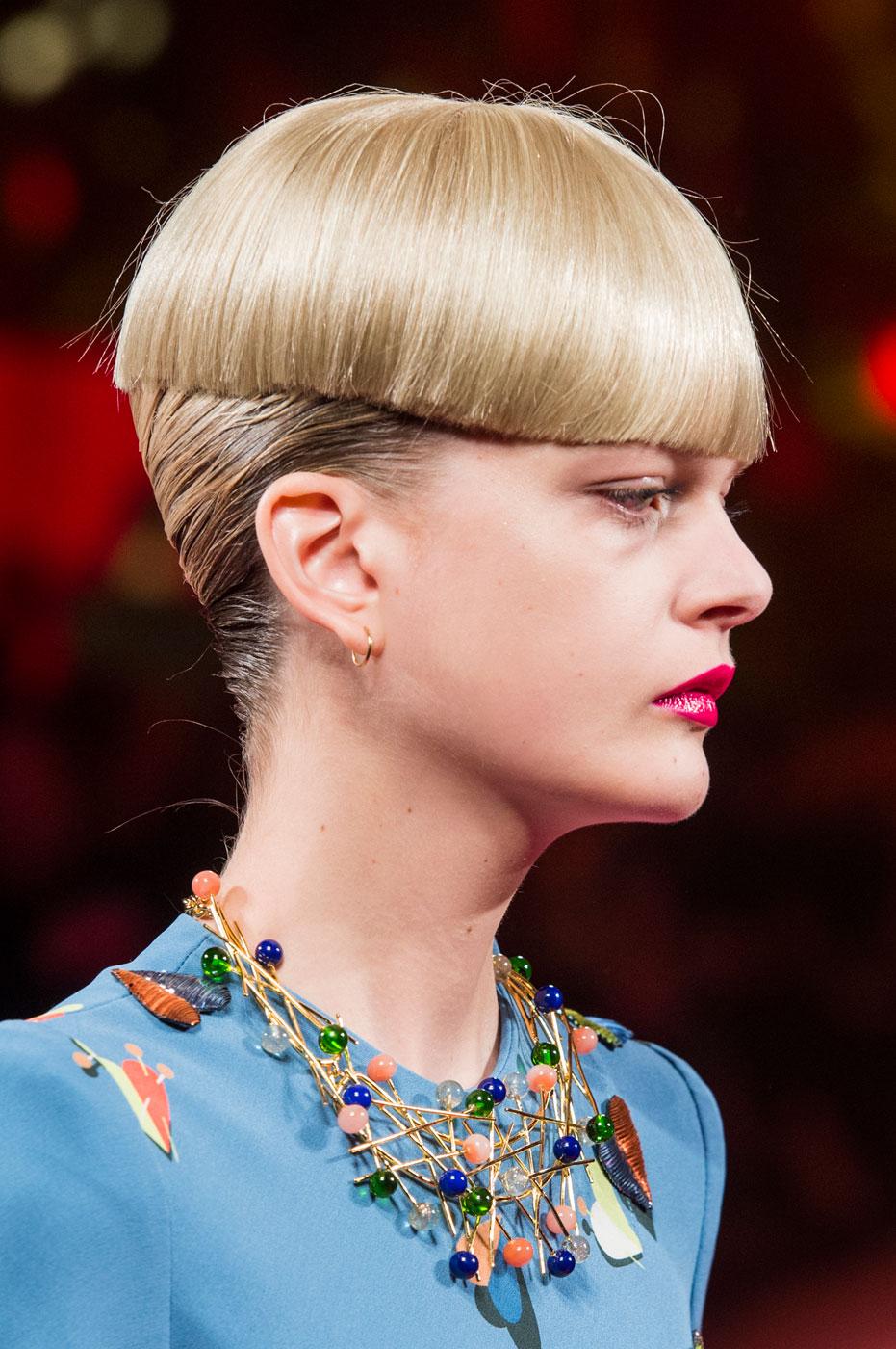 Schiaparelli-fashion-runway-show-close-ups-haute-couture-paris-spring-summer-2015-the-impression-39