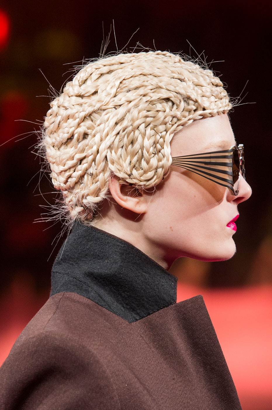 Schiaparelli-fashion-runway-show-close-ups-haute-couture-paris-spring-summer-2015-the-impression-40