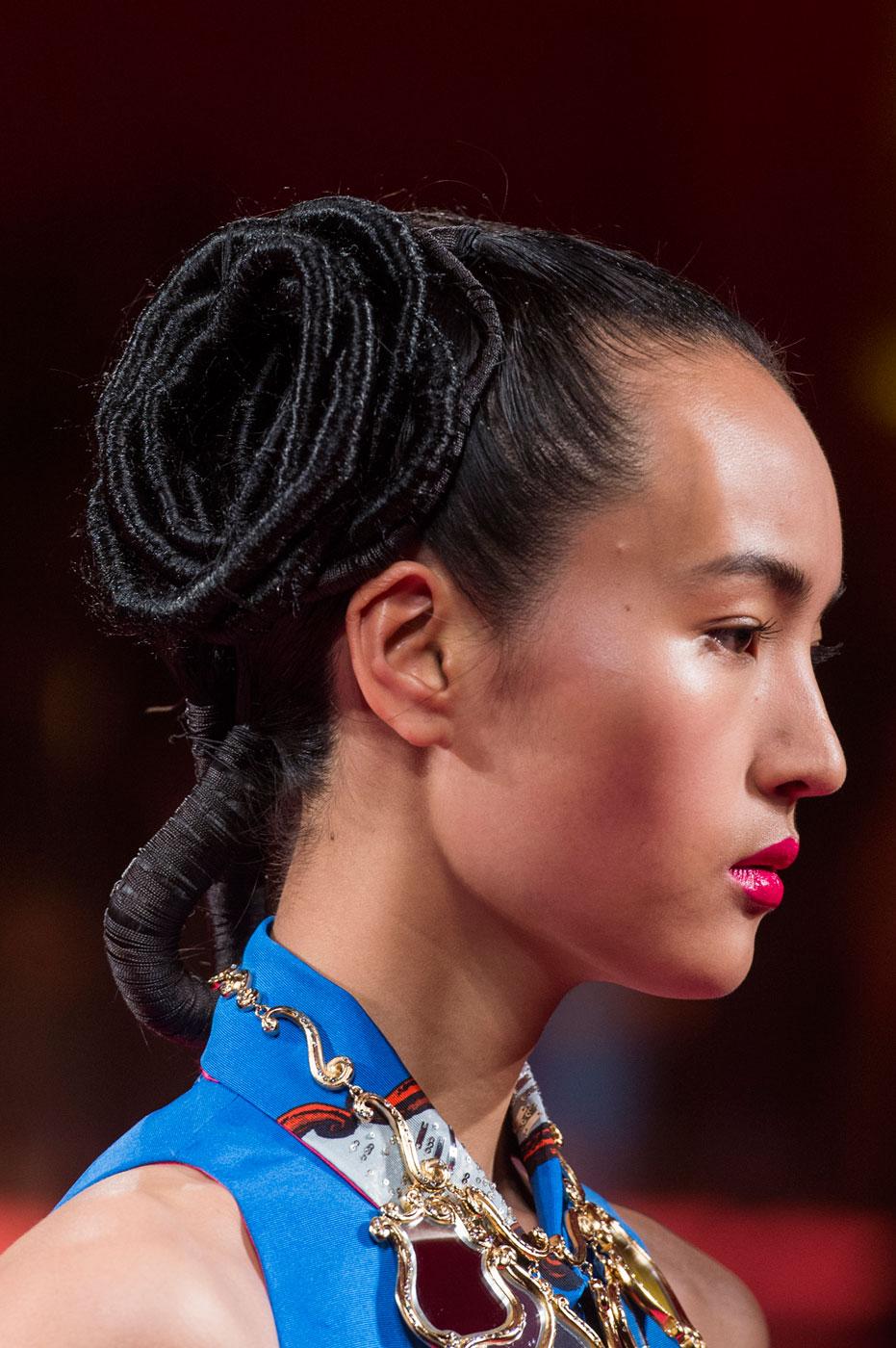 Schiaparelli-fashion-runway-show-close-ups-haute-couture-paris-spring-summer-2015-the-impression-43