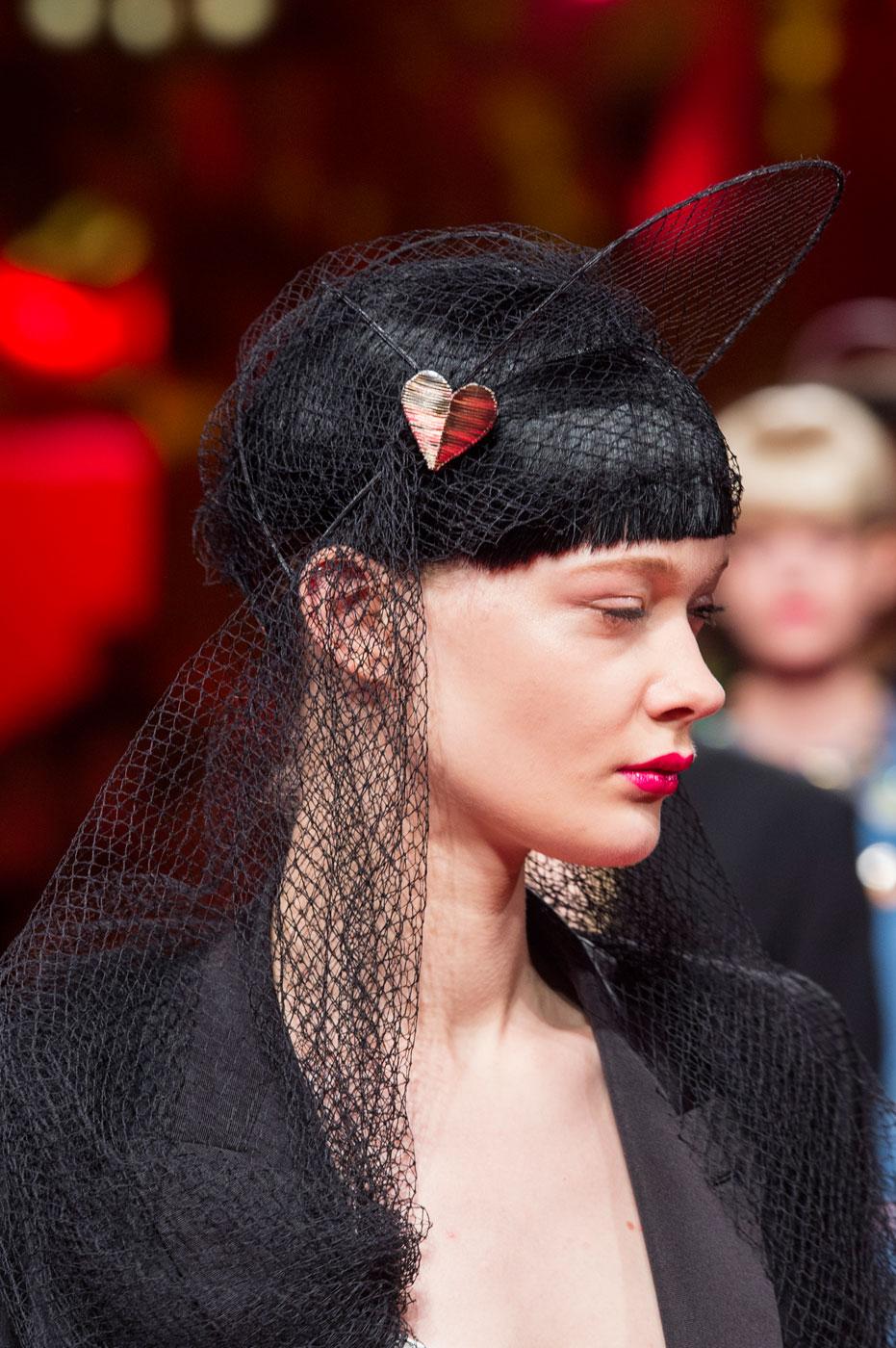 Schiaparelli-fashion-runway-show-close-ups-haute-couture-paris-spring-summer-2015-the-impression-47
