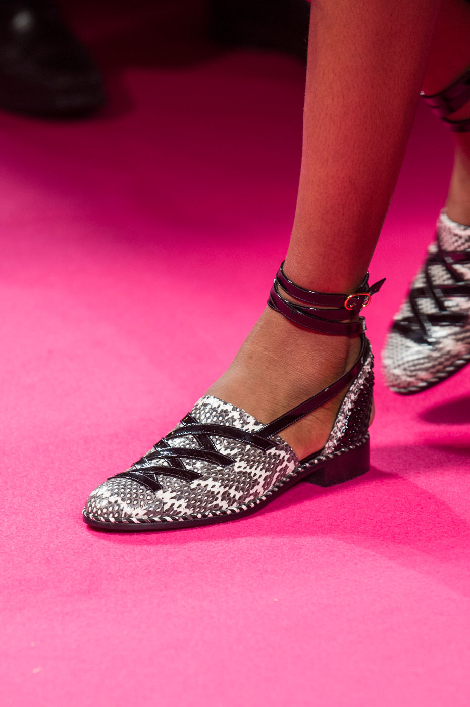Schiaparelli-fashion-runway-show-close-ups-haute-couture-paris-spring-summer-2015-the-impression-57