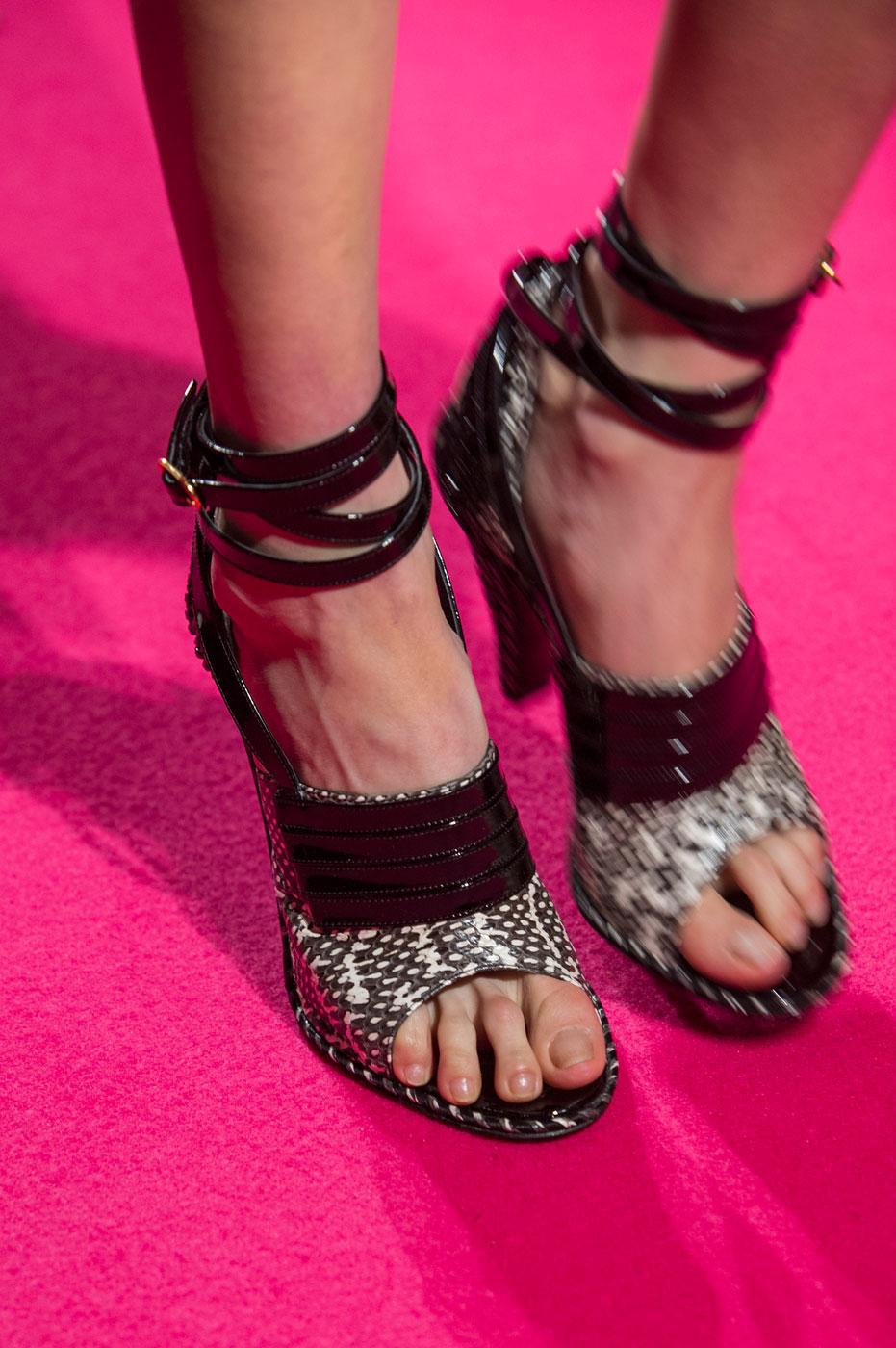 Schiaparelli-fashion-runway-show-close-ups-haute-couture-paris-spring-summer-2015-the-impression-61