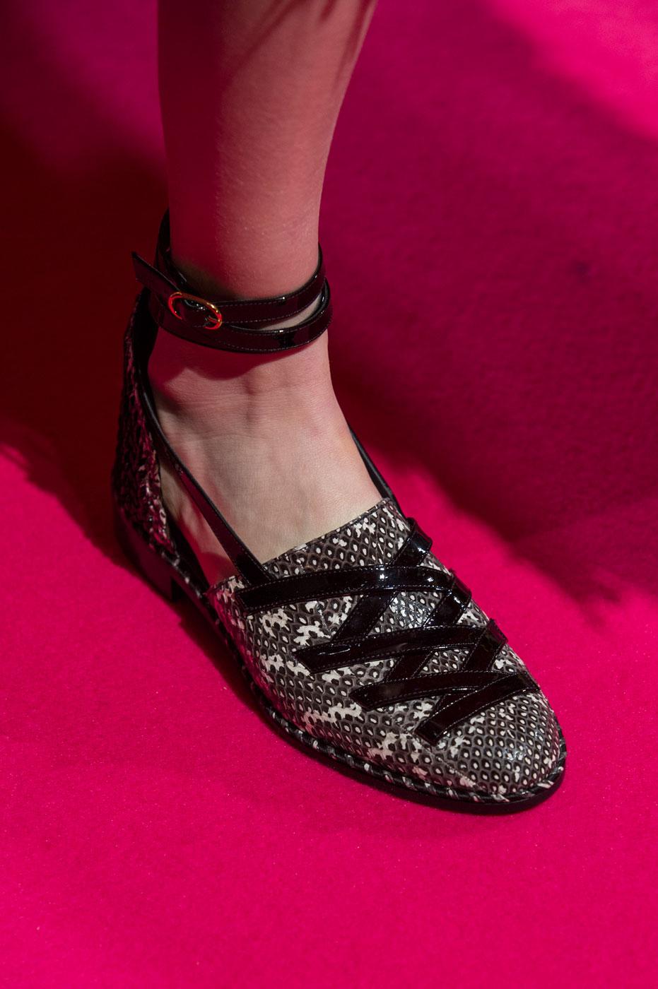 Schiaparelli-fashion-runway-show-close-ups-haute-couture-paris-spring-summer-2015-the-impression-63