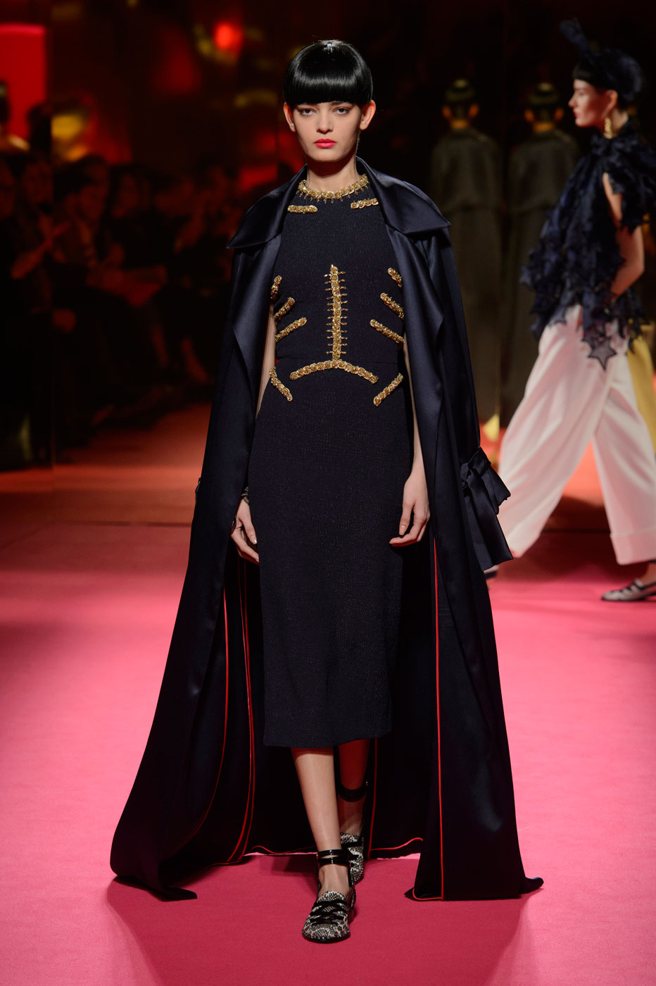 Schiaparelli-fashion-runway-show-haute-couture-paris-spring-summer-2015-the-impression-13
