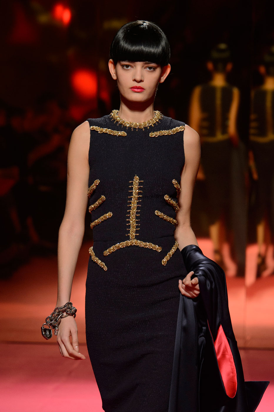Schiaparelli-fashion-runway-show-haute-couture-paris-spring-summer-2015-the-impression-16