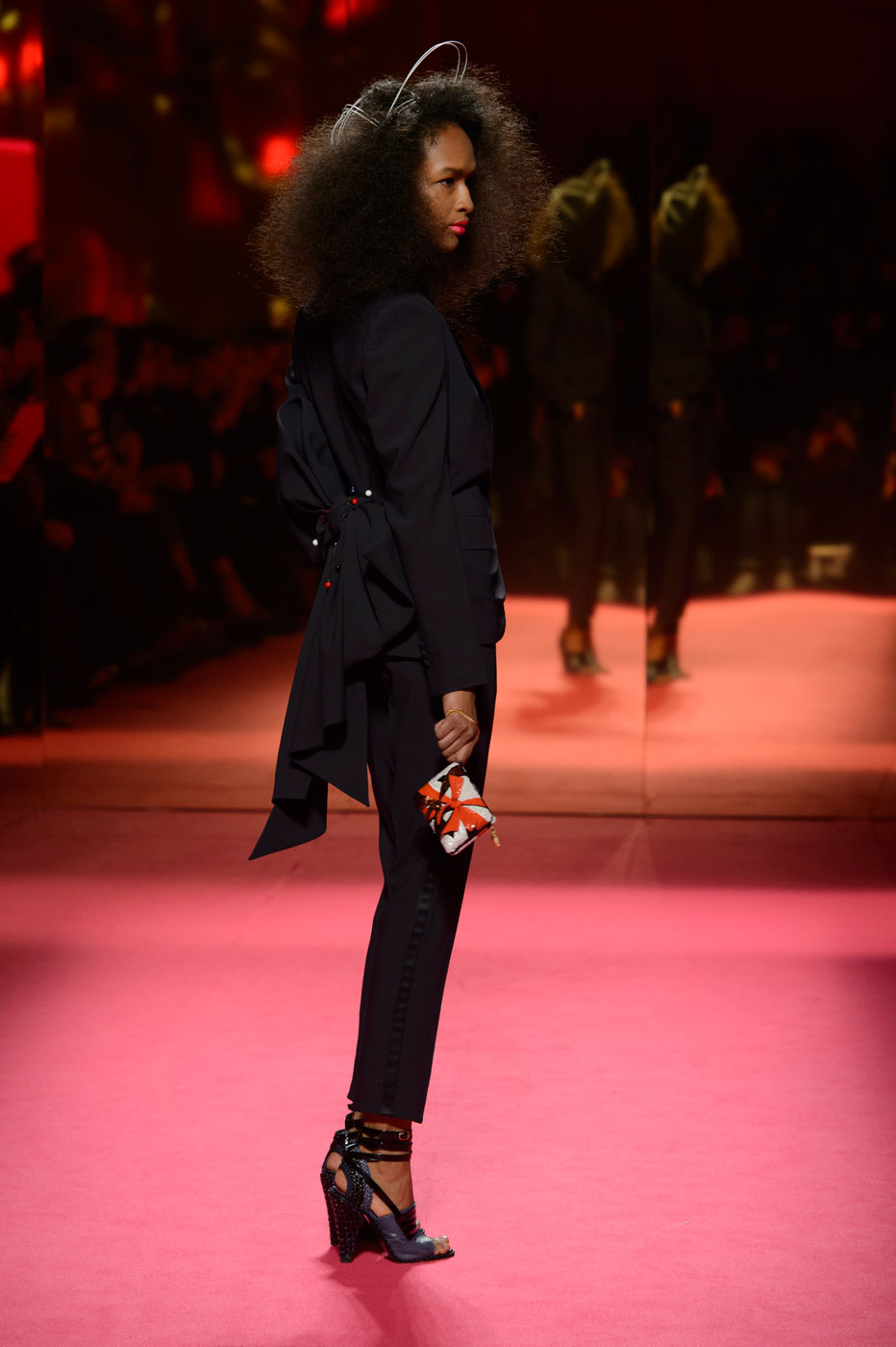 Schiaparelli-fashion-runway-show-haute-couture-paris-spring-summer-2015-the-impression-24