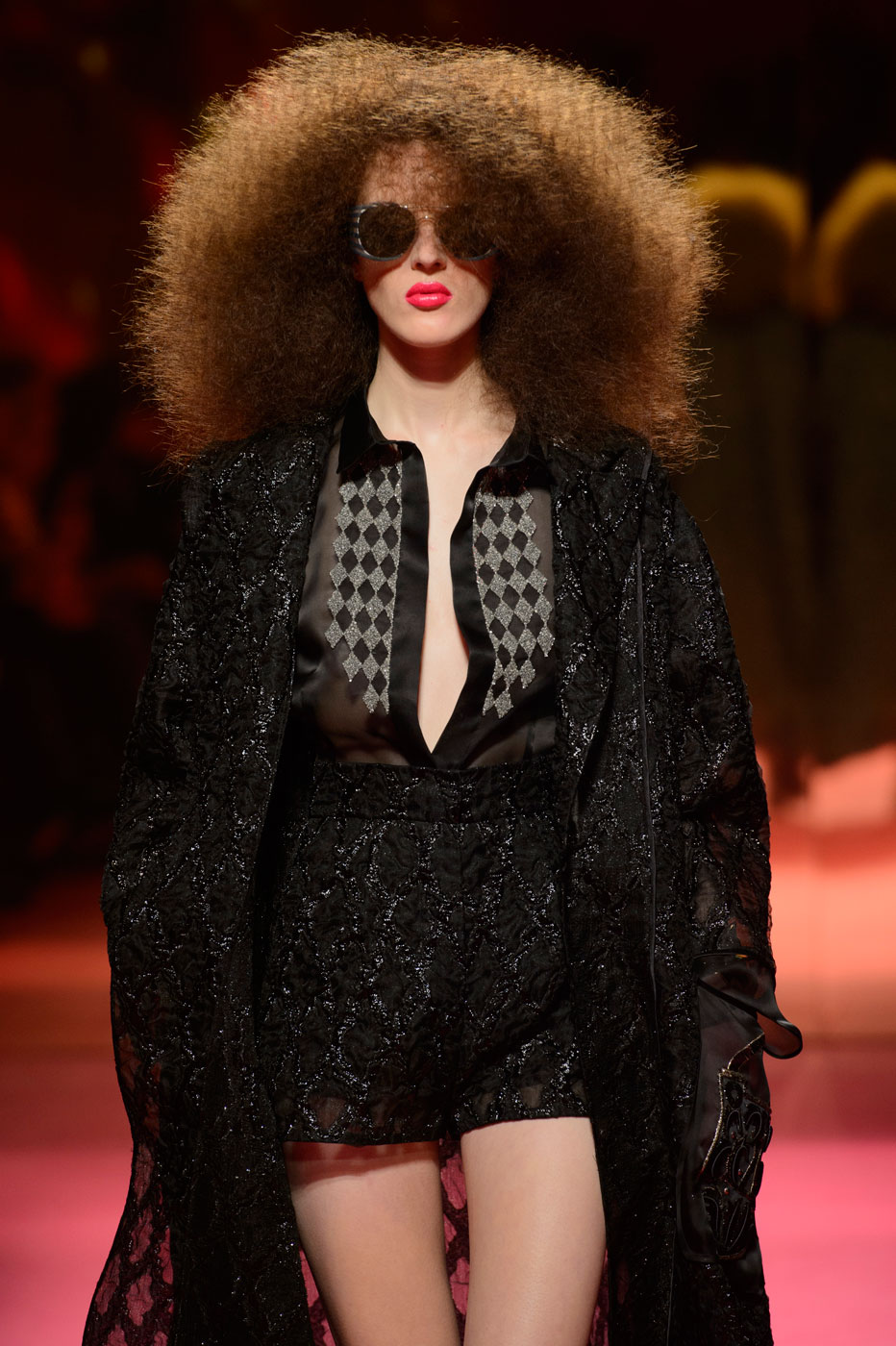 Schiaparelli-fashion-runway-show-haute-couture-paris-spring-summer-2015-the-impression-33