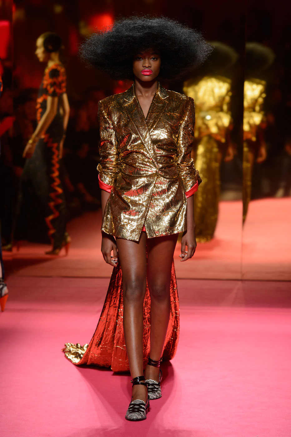 Schiaparelli-fashion-runway-show-haute-couture-paris-spring-summer-2015-the-impression-46