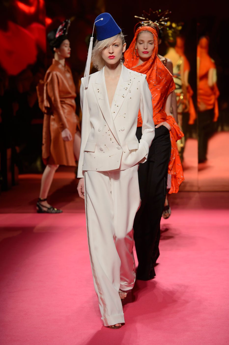 Schiaparelli-fashion-runway-show-haute-couture-paris-spring-summer-2015-the-impression-49