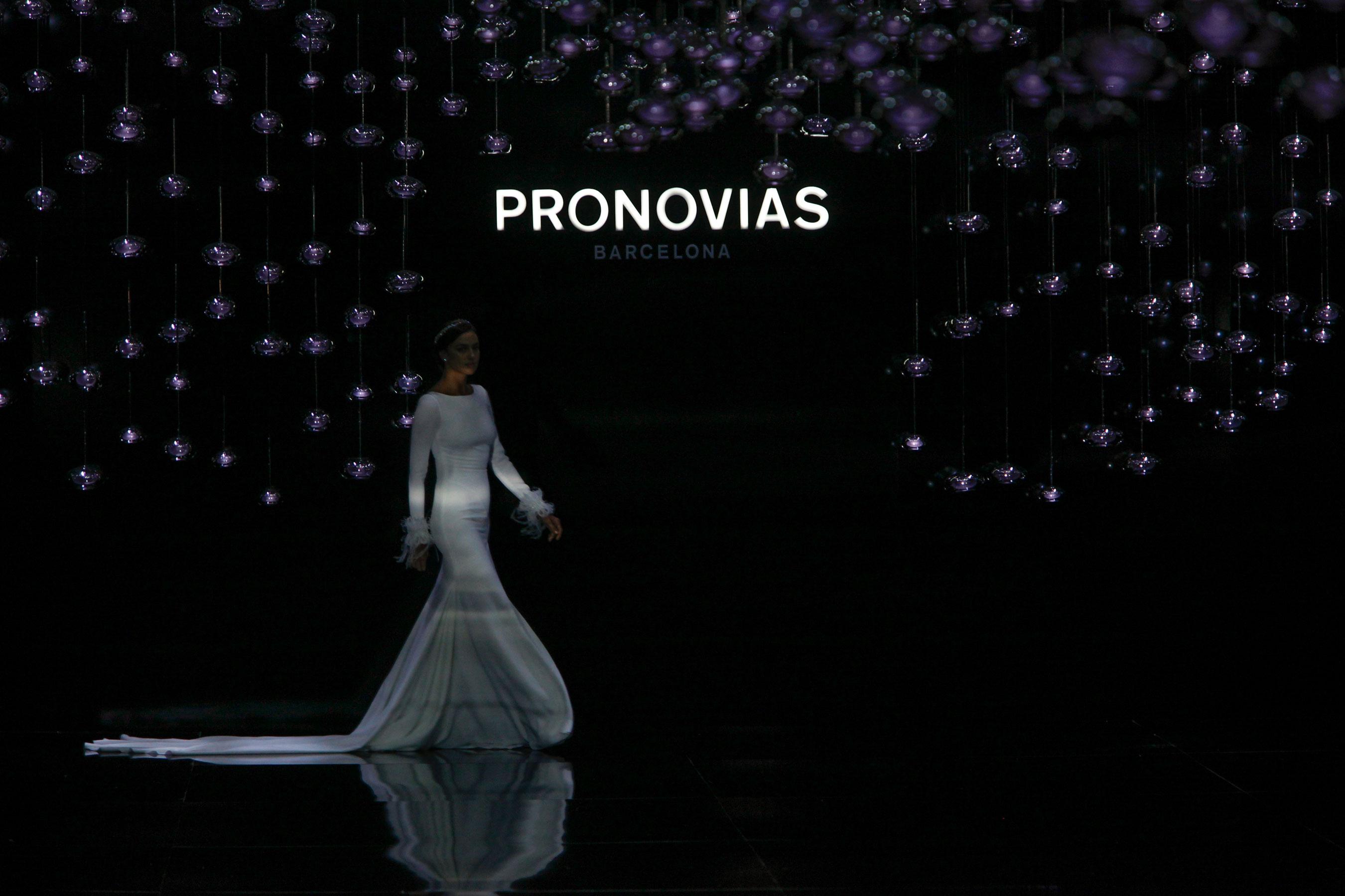 Pronovias brd RS17 0158a
