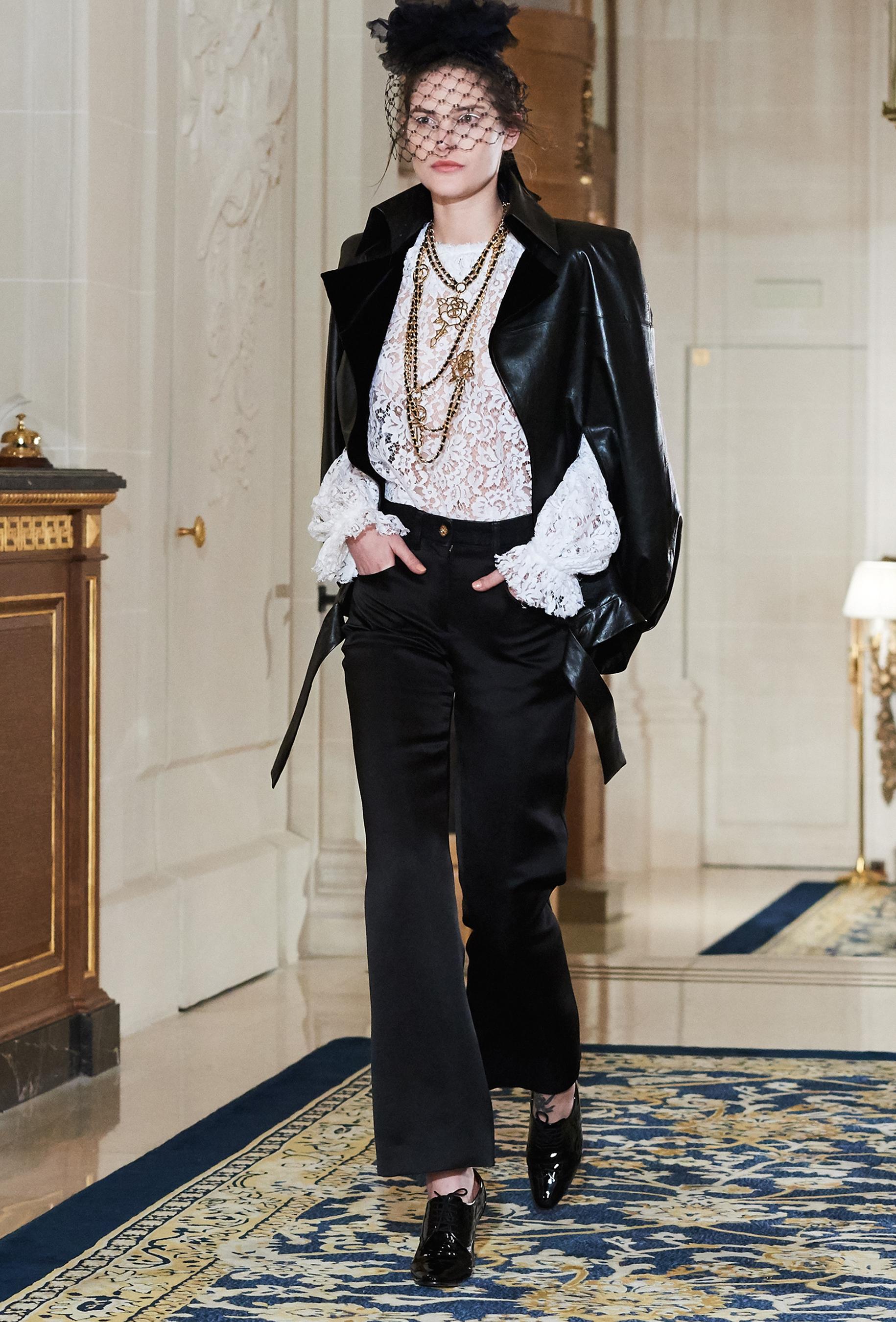 Chanel Metiers d'Art PO FW16 0106