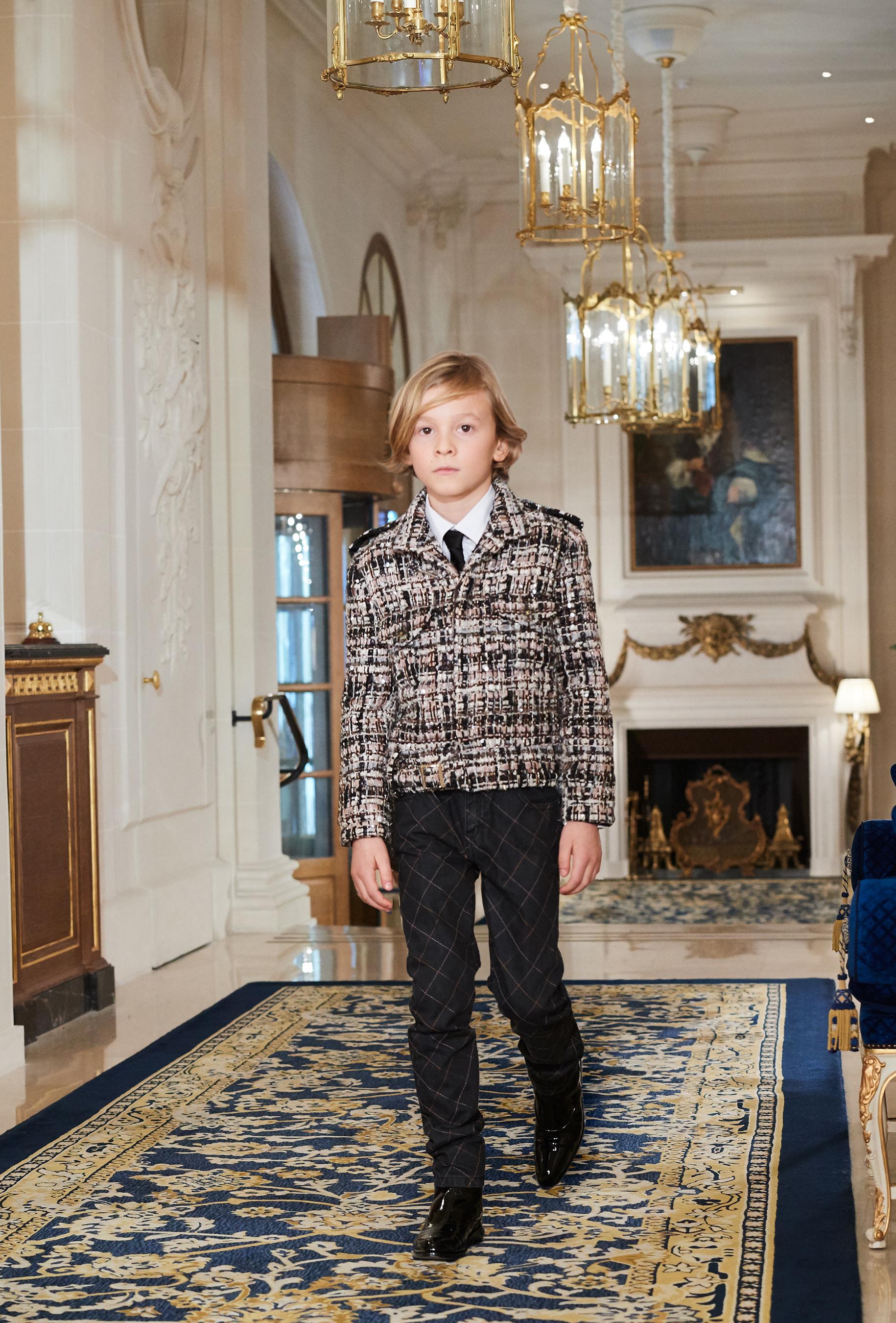 Chanel Metiers d'Art PO FW16 0114