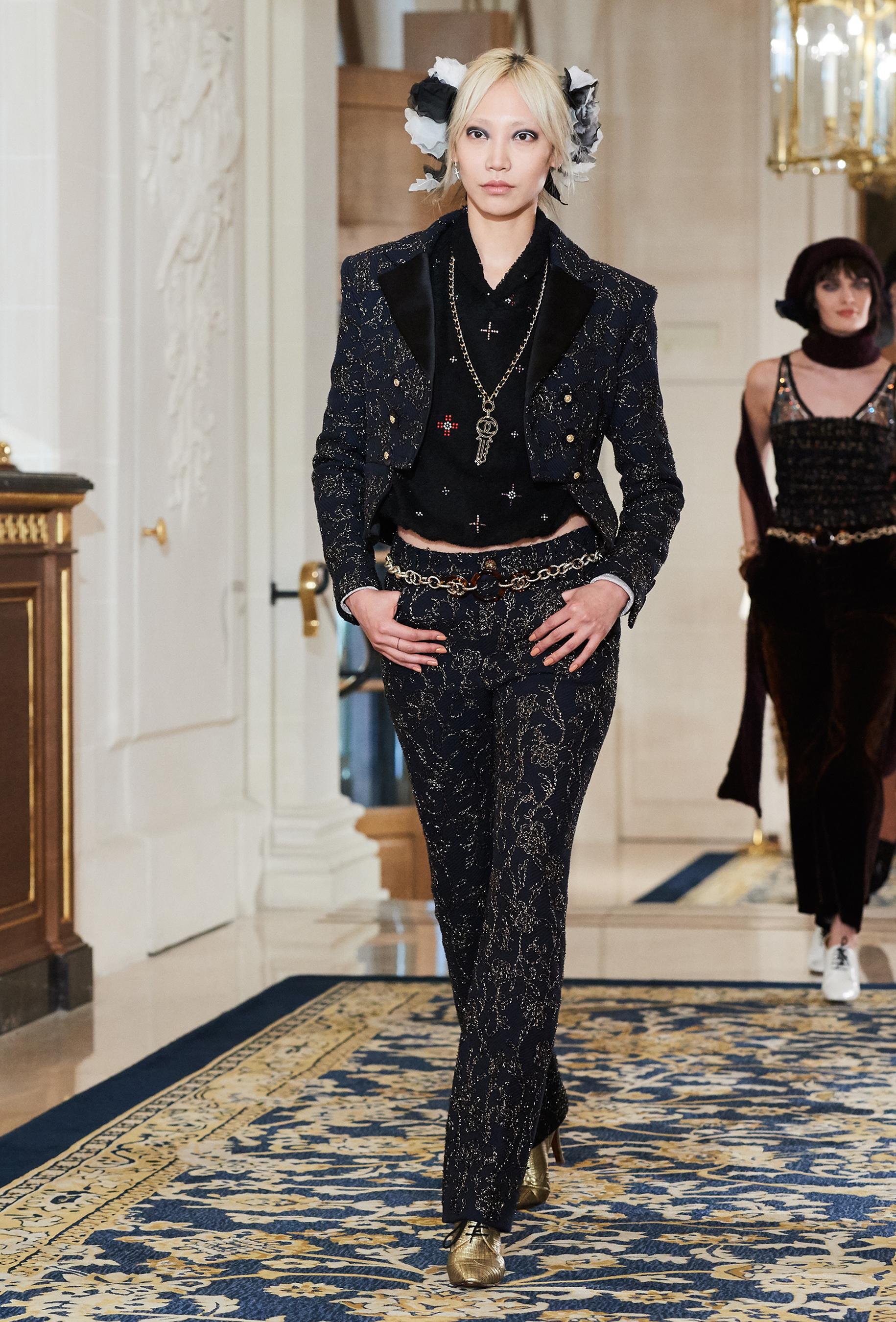 Chanel Metiers d'Art PO FW16 0123