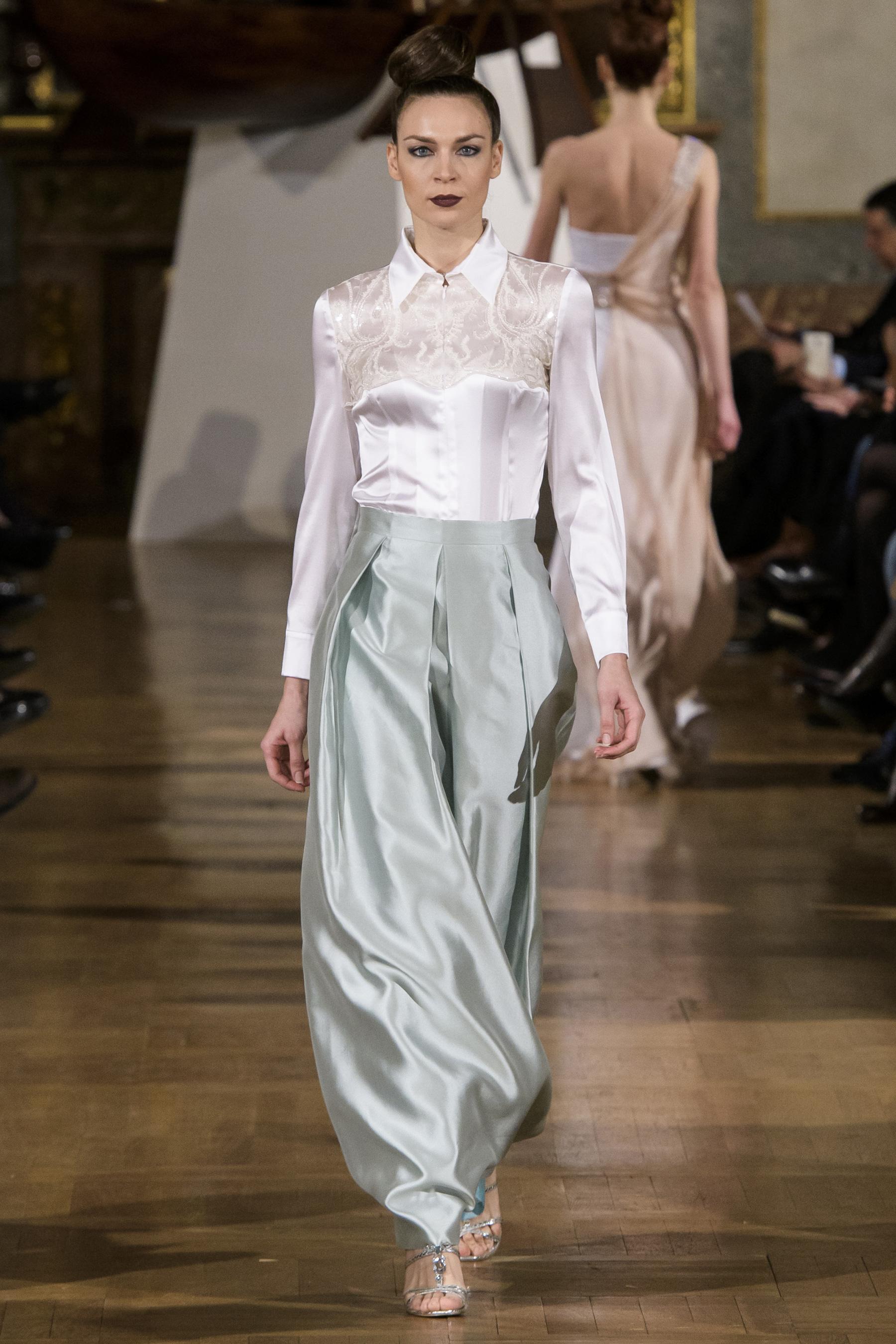 World of Fashion AR RF17 2049