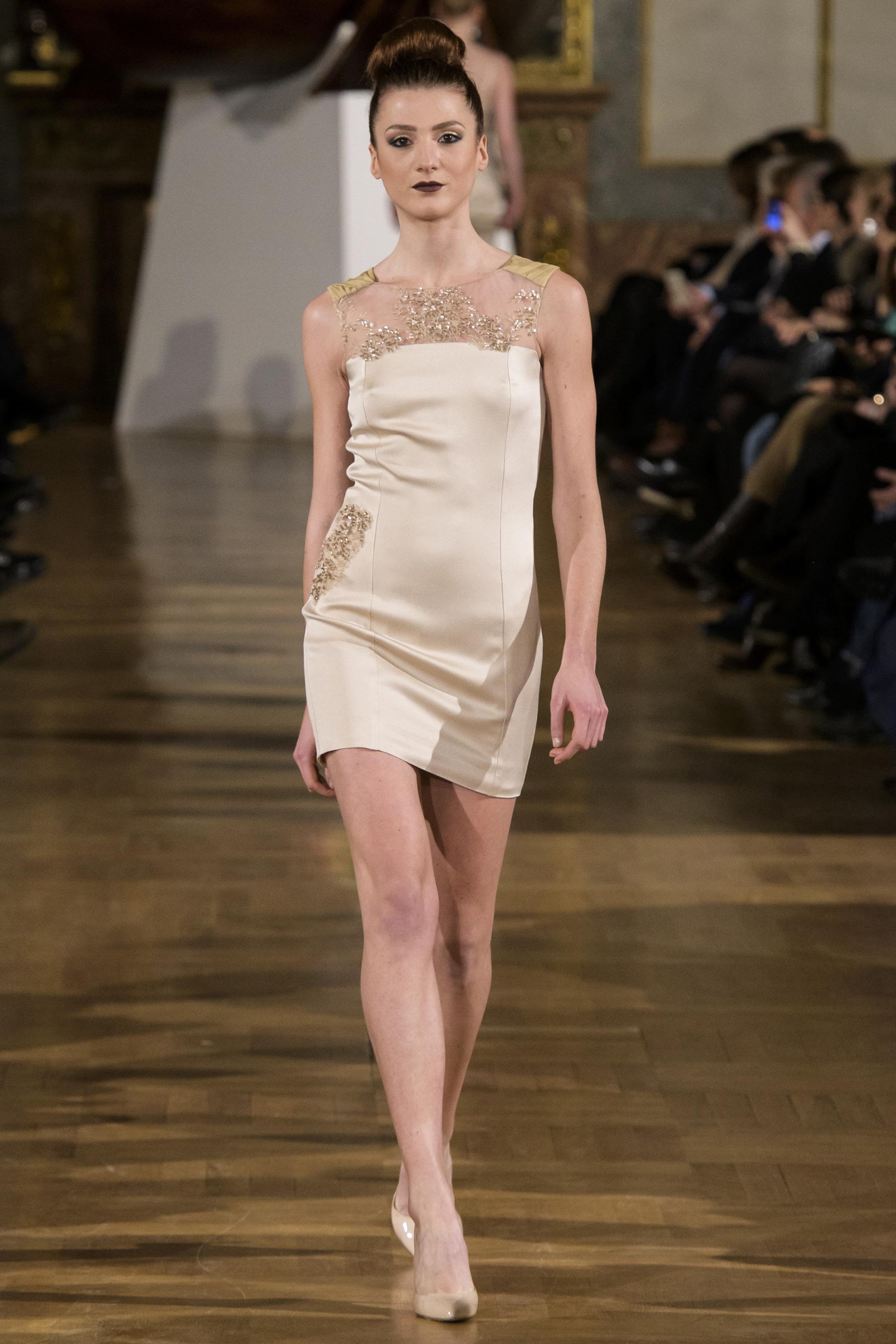World of Fashion AR RF17 2217