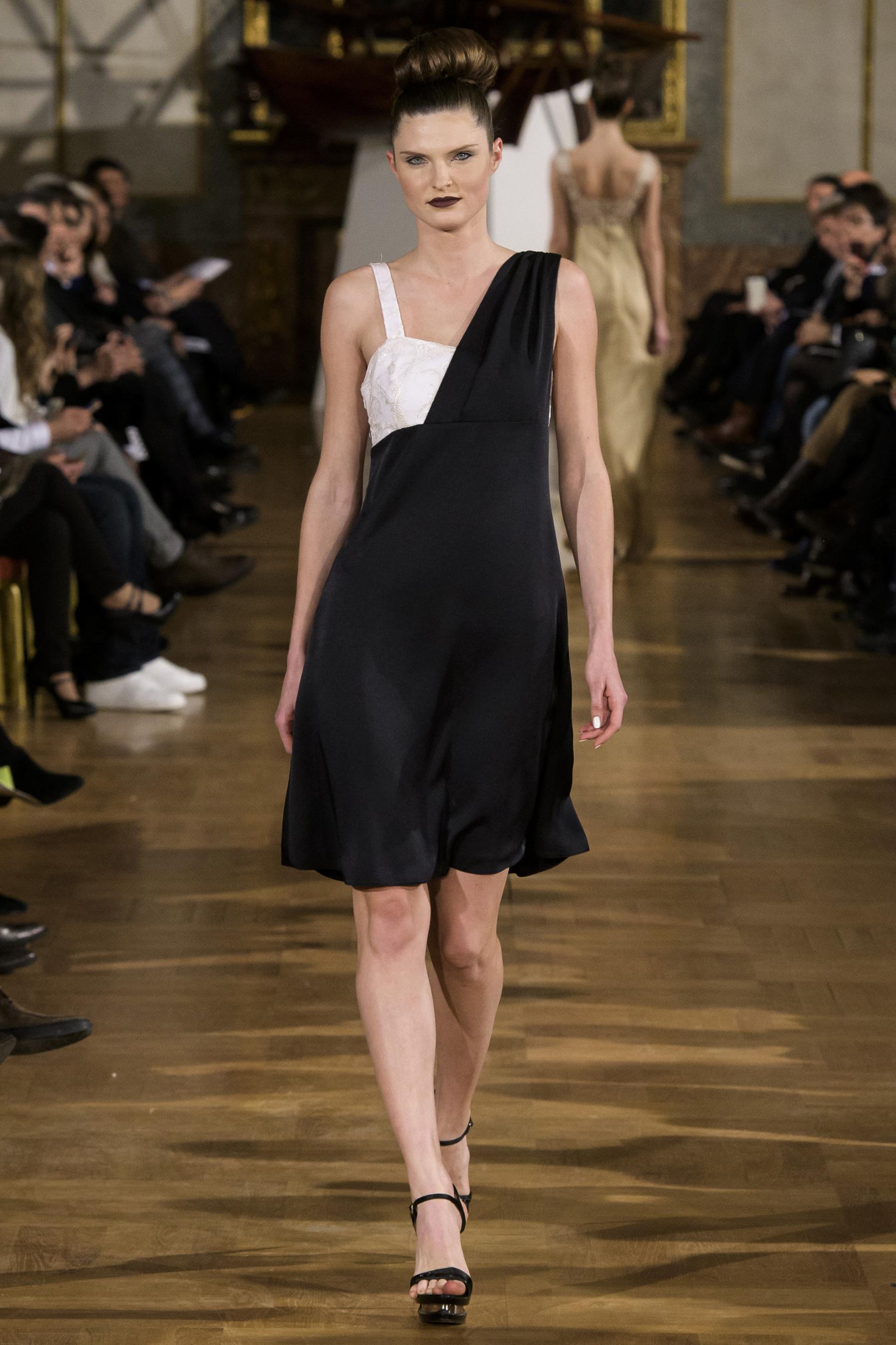World of Fashion AR RF17 2262
