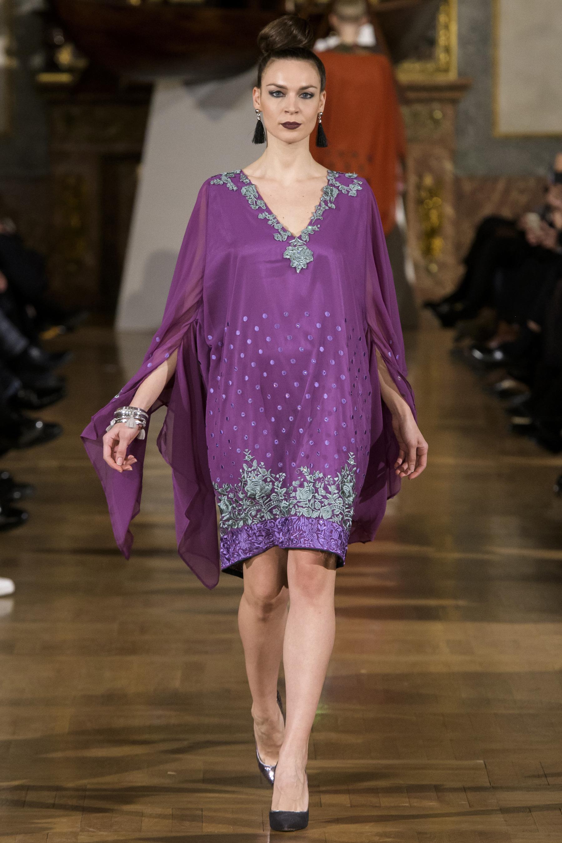 World of Fashion AR RF17 2431
