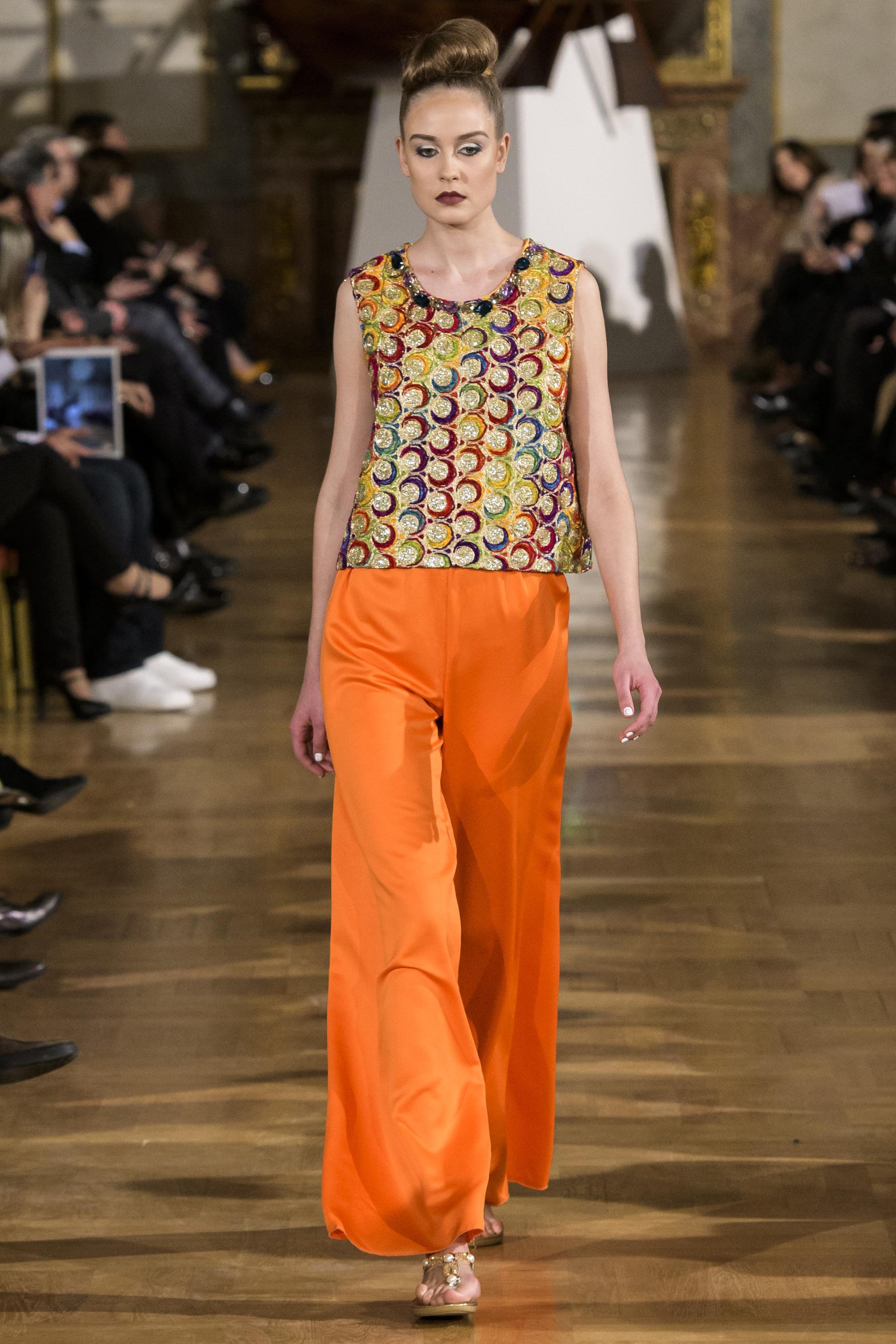 World of Fashion AR RF17 2507