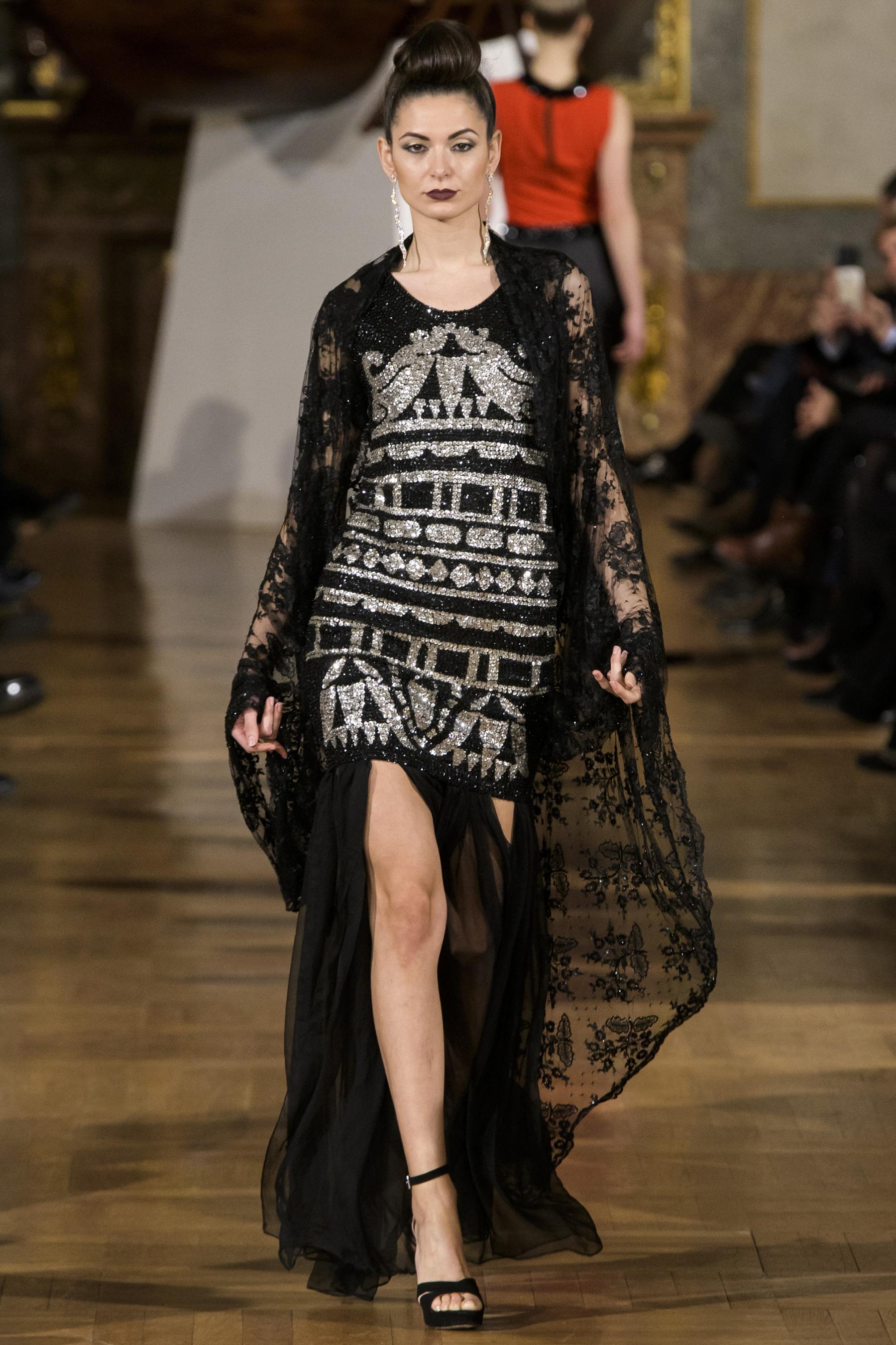 World of Fashion AR RF17 2885